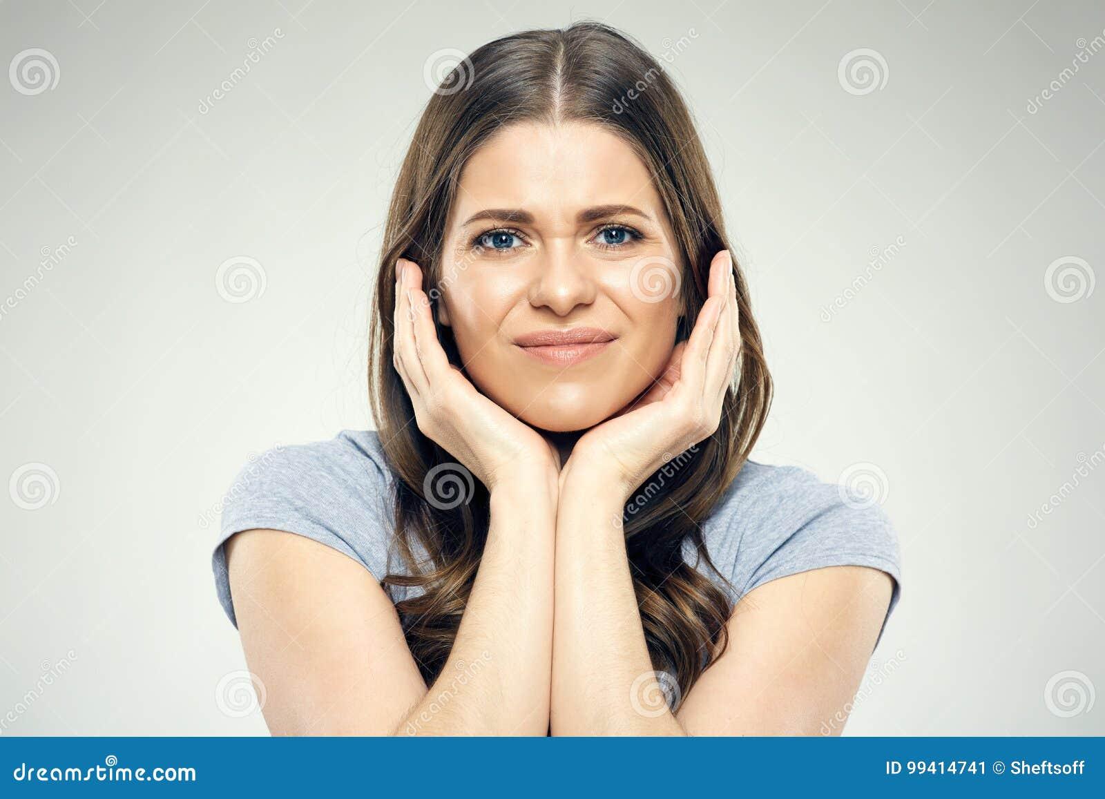Portret van vrouw met tandpijn
