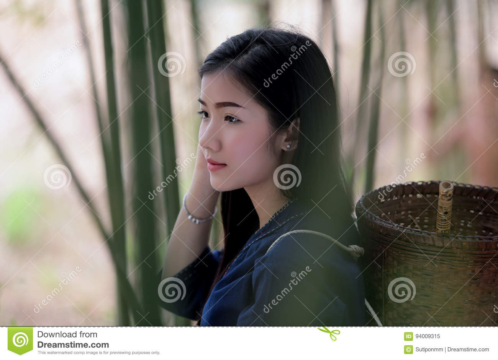 Portreta Laos Piękne kobiety w Lao Tradycyjnej sukni baske i