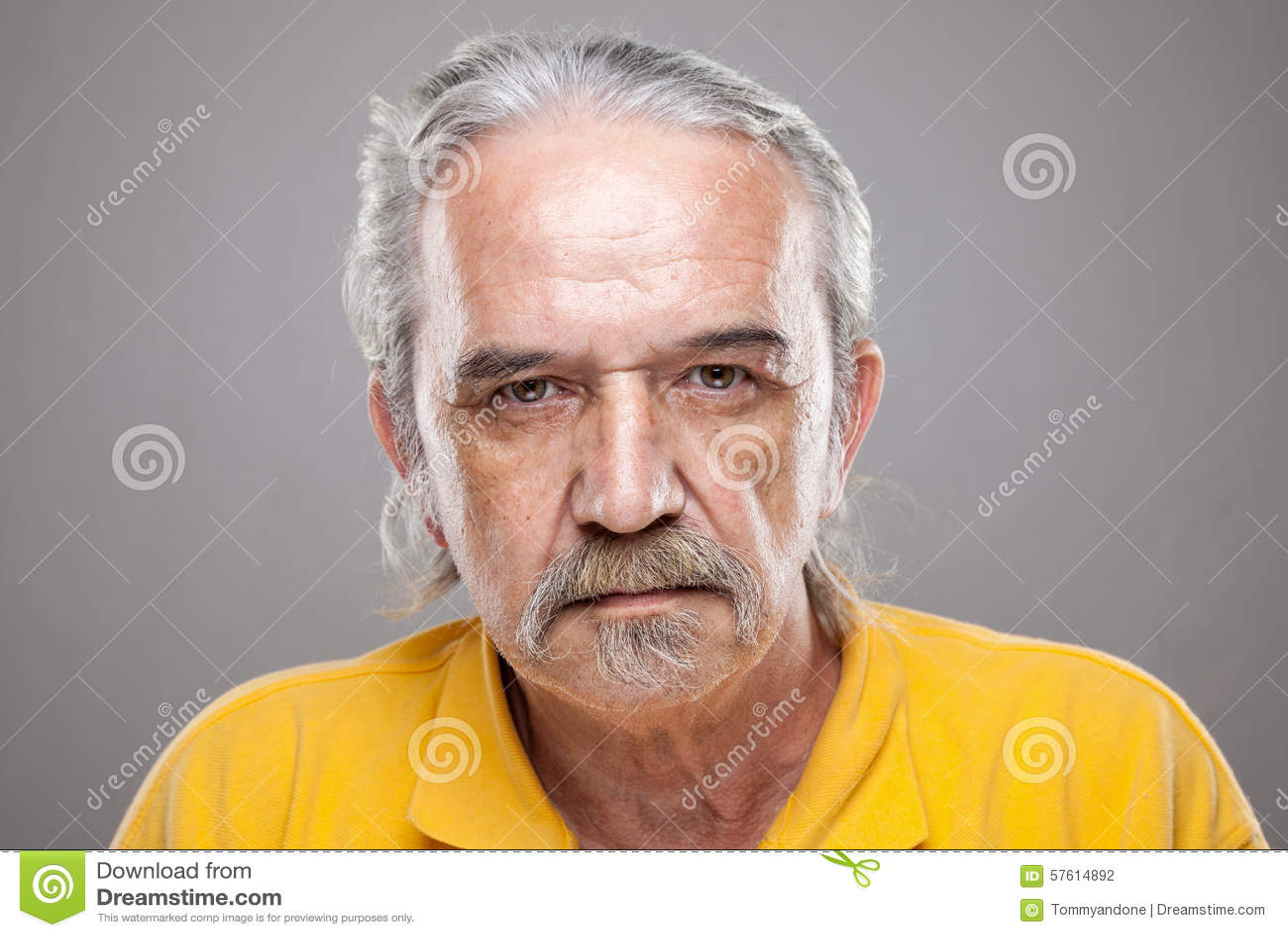 Portriat starszy mężczyzna