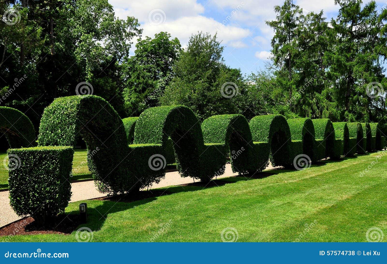 portsmouth ri green animals topiary gardens - Green Animals Topiary Garden