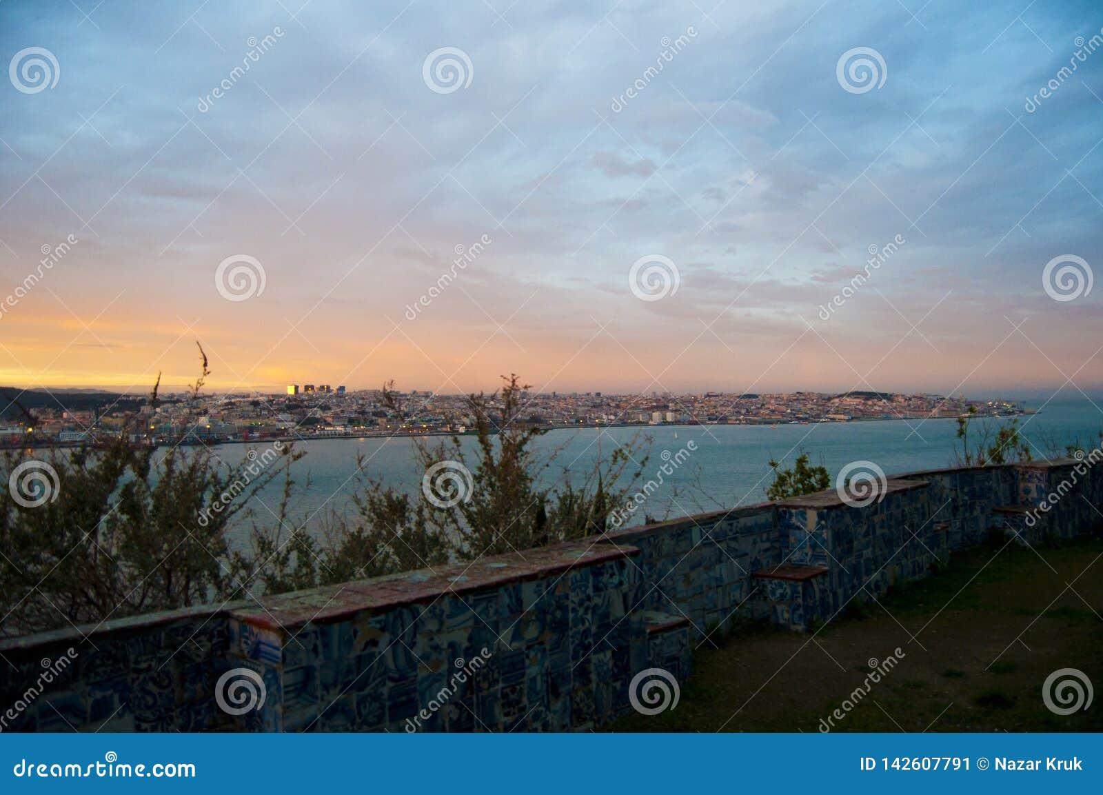Portugal lissabon veranschaulichung himmel landschaft Fluss landschaft Sonnenuntergang