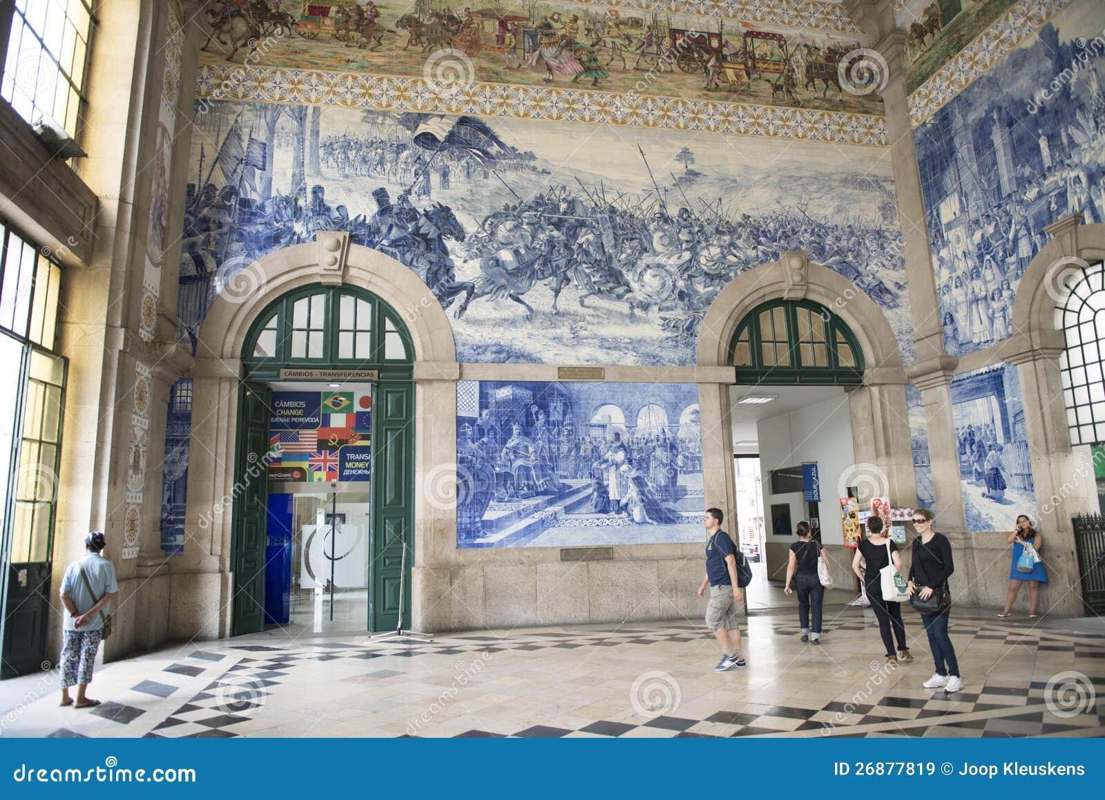 Portugal, Porto: estação de comboio velha, azulejos