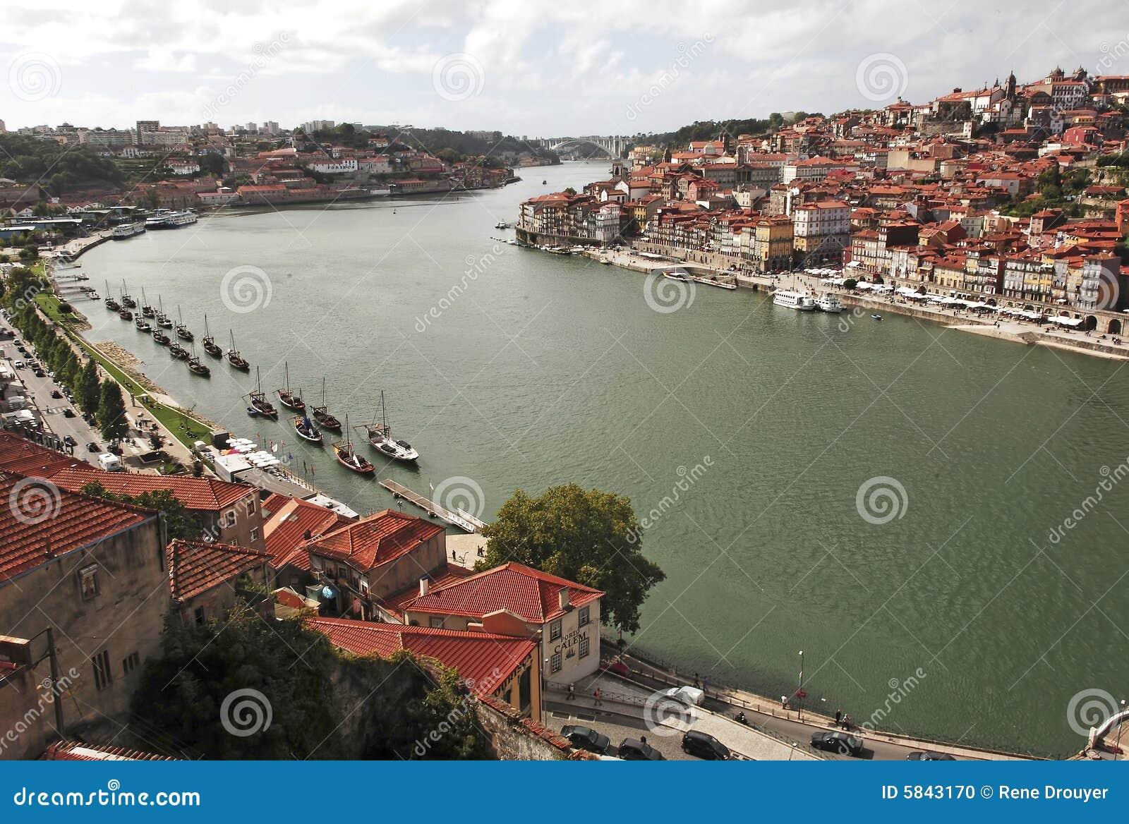 Portugal, Porto; vista da cidade antiga