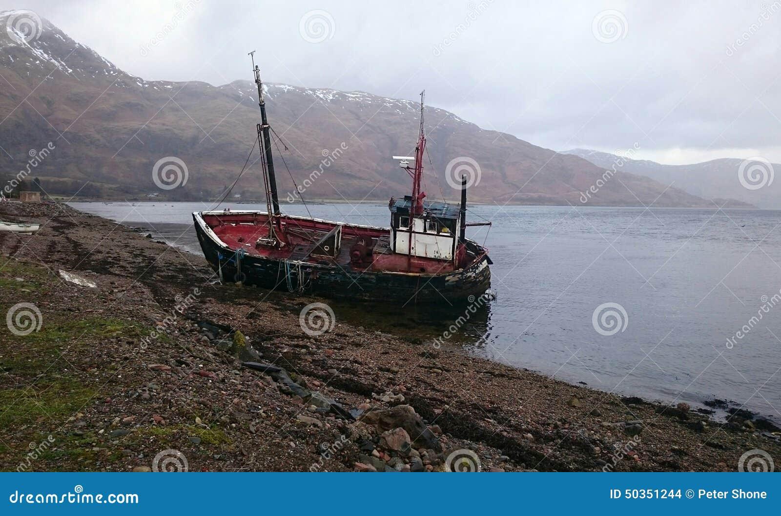 Porzucona disused łódź rybacka w Scotland