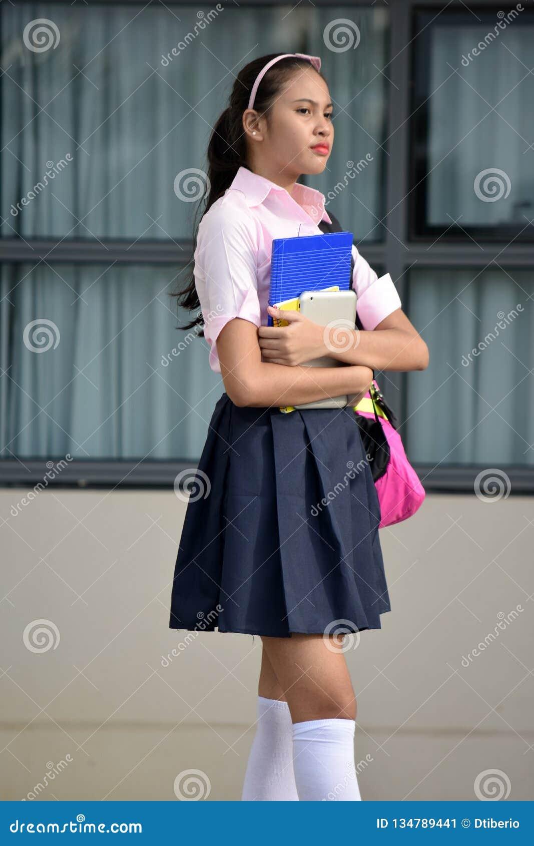 Pose de Filipina Person
