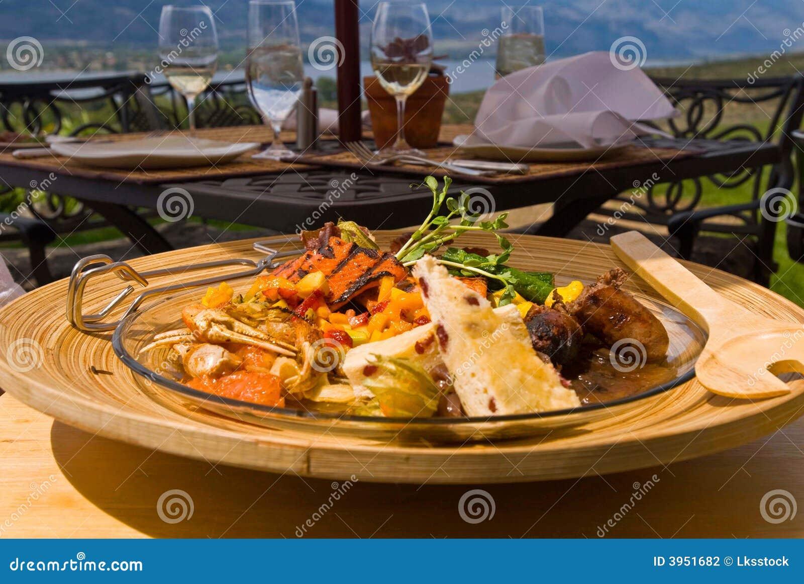 Posiłek plenerowa restauracji
