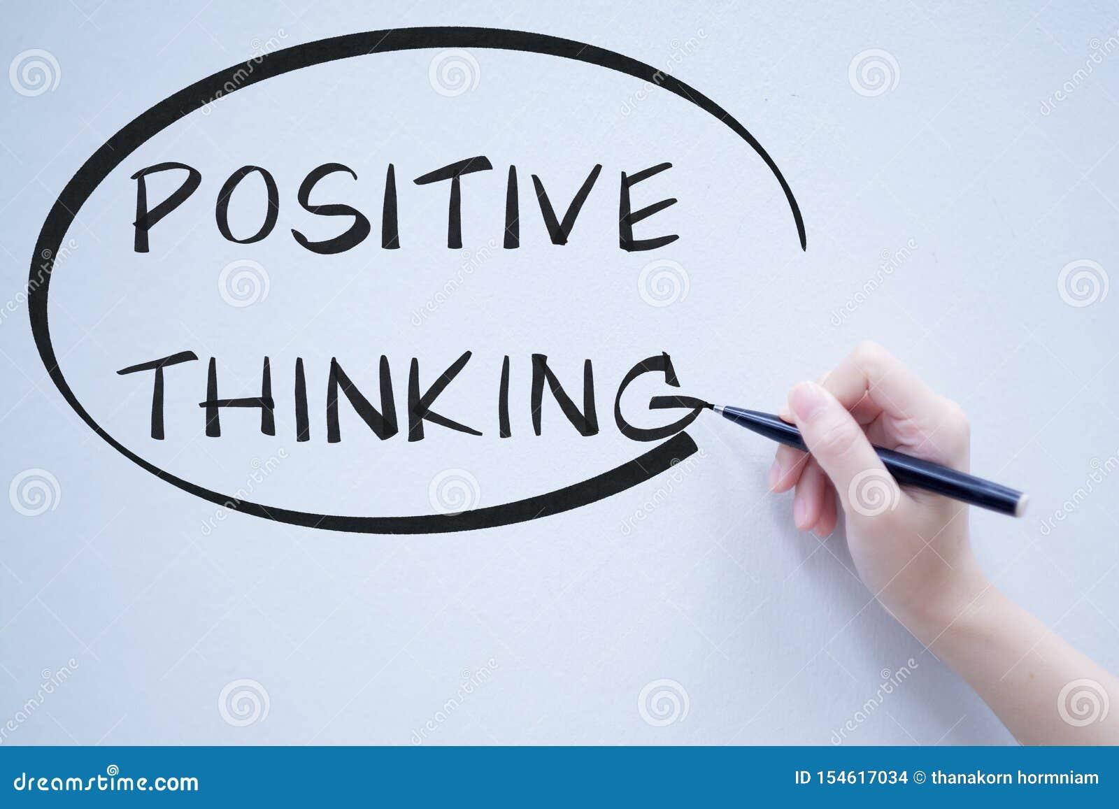 Positief het denken teksthandschrift op whiteboard