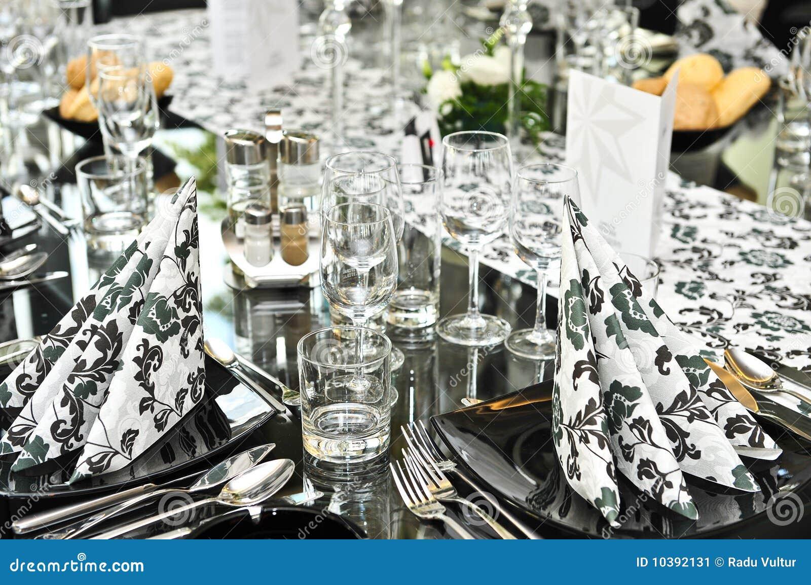 Positionnement de fantaisie de table de dîner