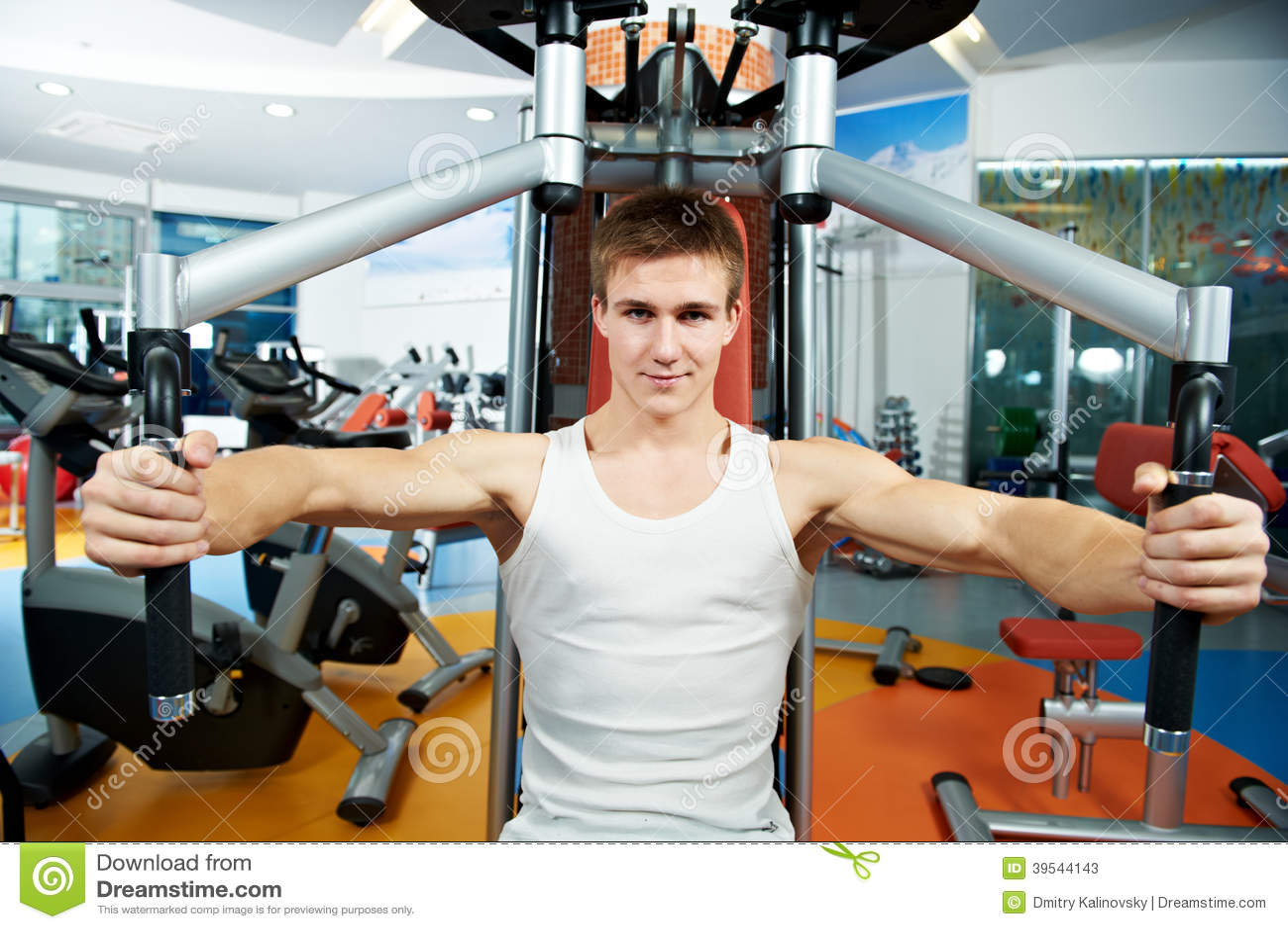 pectoral exercise machine