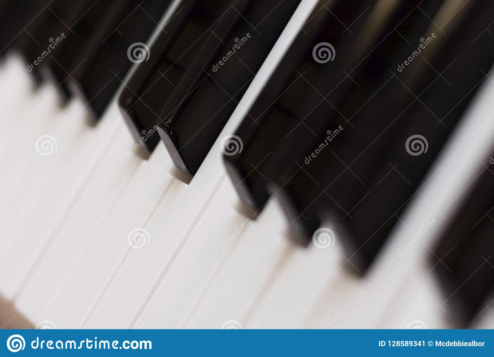 Posizione di inclinazione di chiavi di tastiera del piano