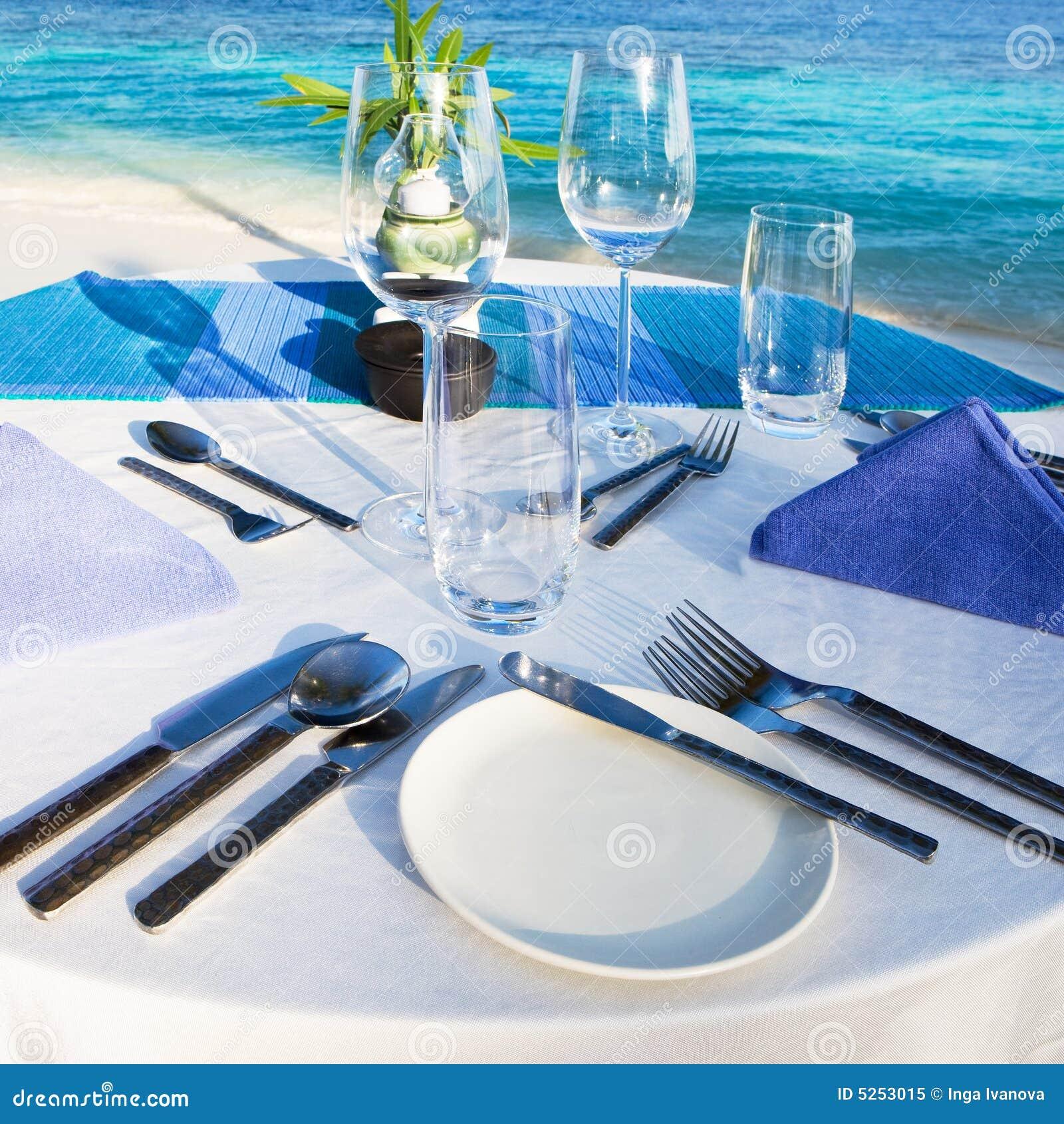 Posponga la regolazione al ristorante della spiaggia