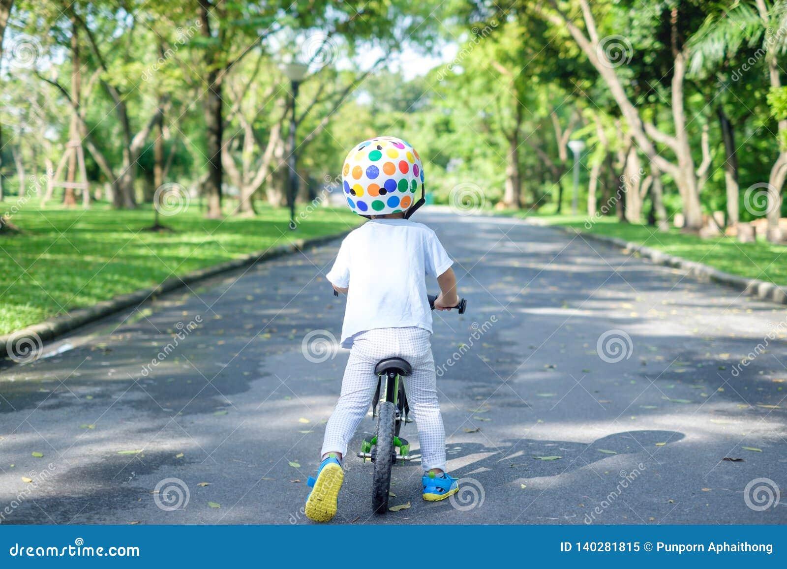 Formule 1 kid enfant vélo bicyclette casque sécurité