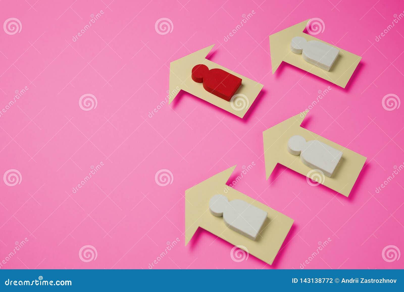 Postacie ludzie i strzały na klingerycie różowią tło Kobiet osiągnięcia w życiu i biznesie