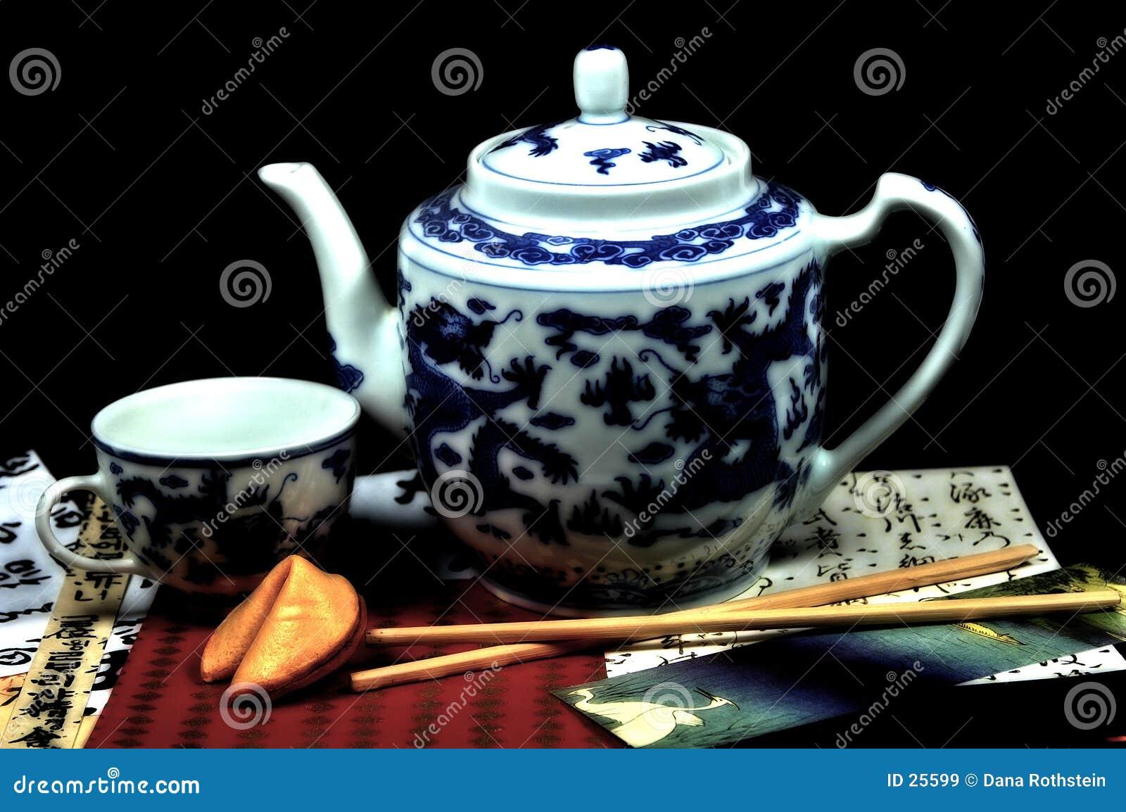 Postawił orientalna herbaty.