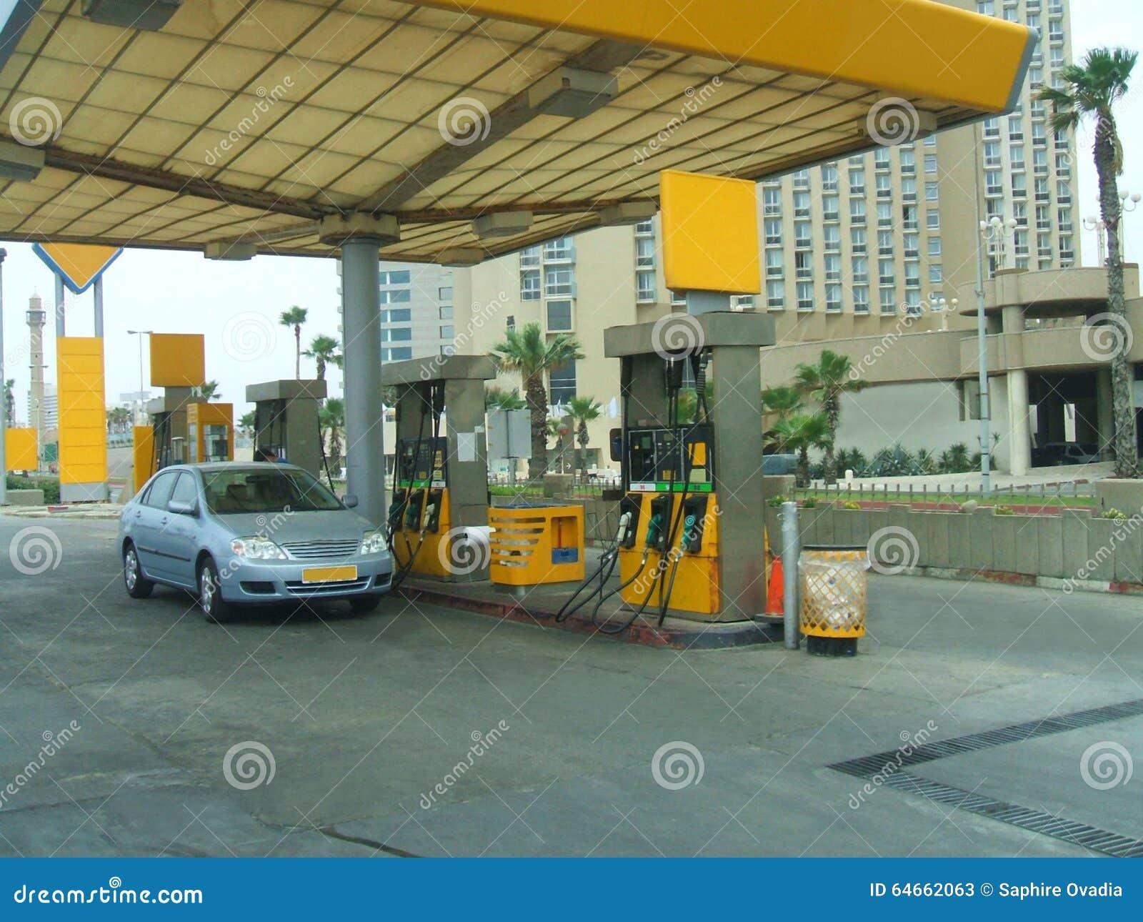poste d 39 essence remplir v hicule d 39 essence station service. Black Bedroom Furniture Sets. Home Design Ideas
