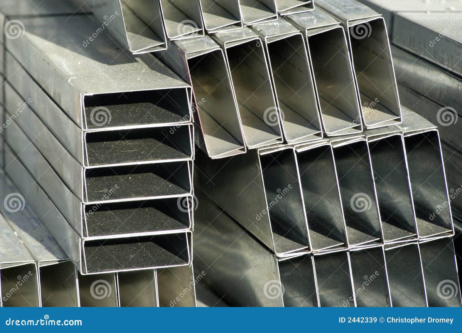 Postes De La Pared Del Metal Imagen de archivo - Imagen de pared ...