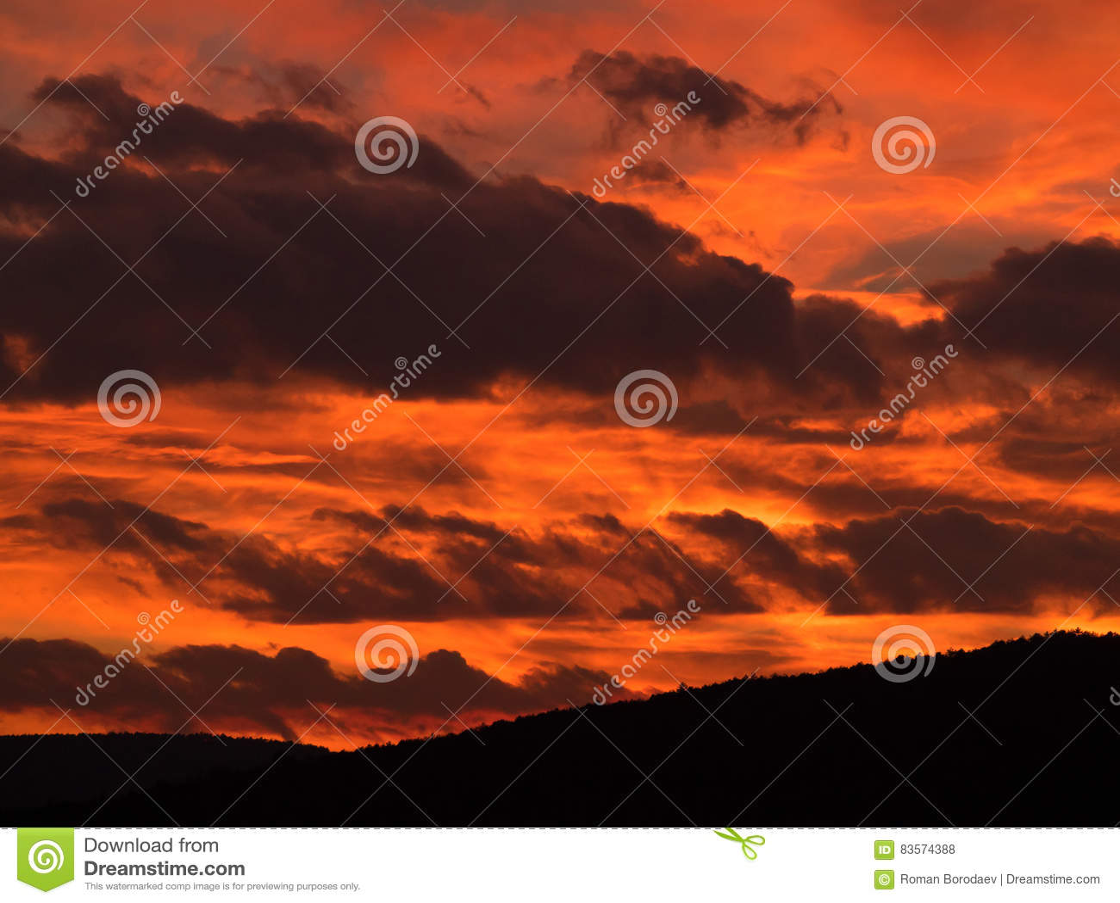 Postluminescence de ciel de coucher du soleil