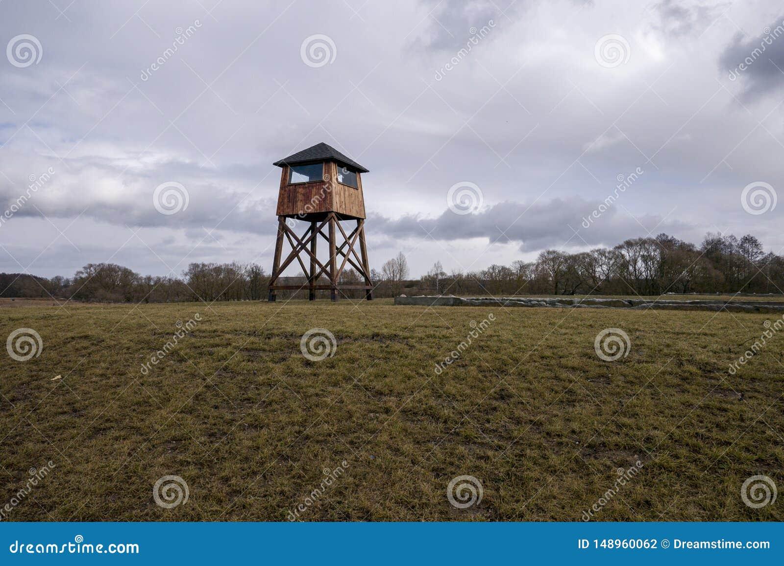 Posto di guardia militare in un campo di concentramento