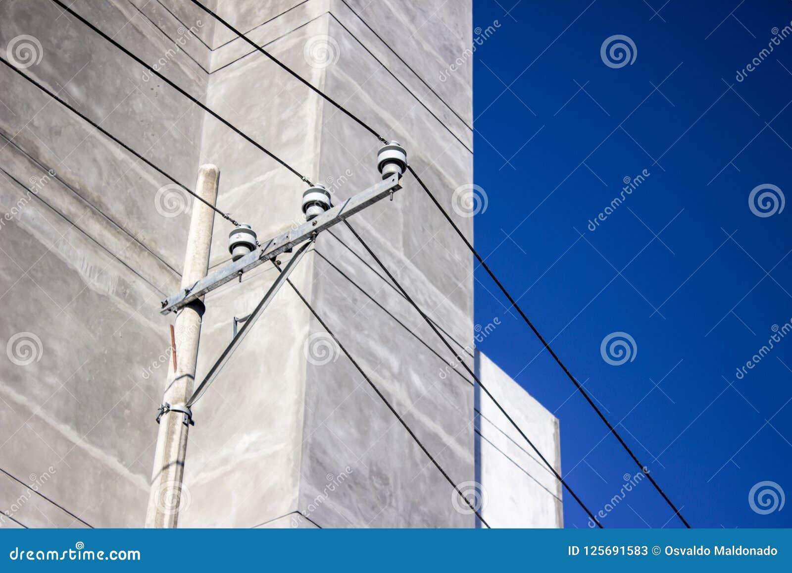 Posts de la electricidad de la calle