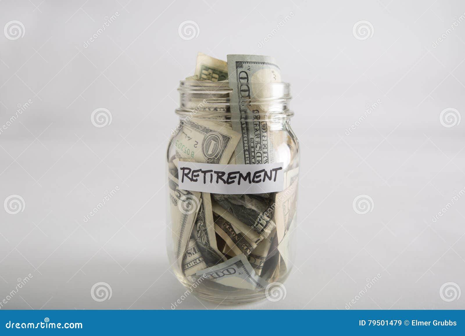 Pot de maçon avec l argent pour la retraite