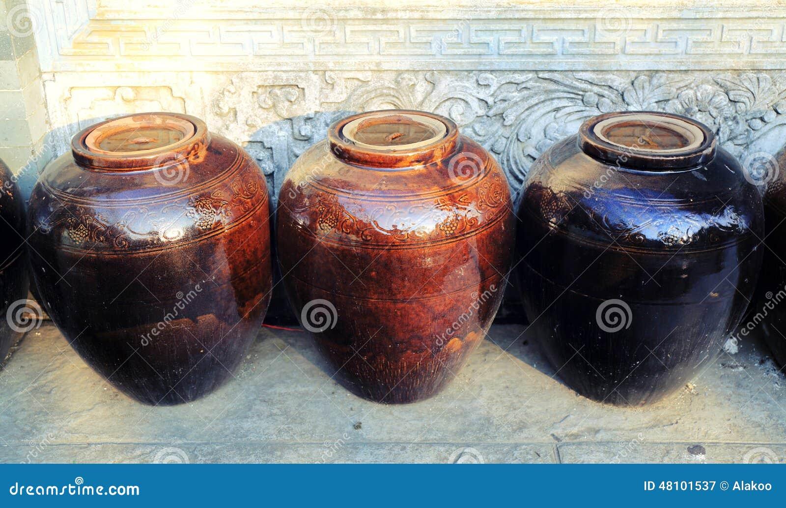Pot traditionnel chinois de l eau de porcelaine