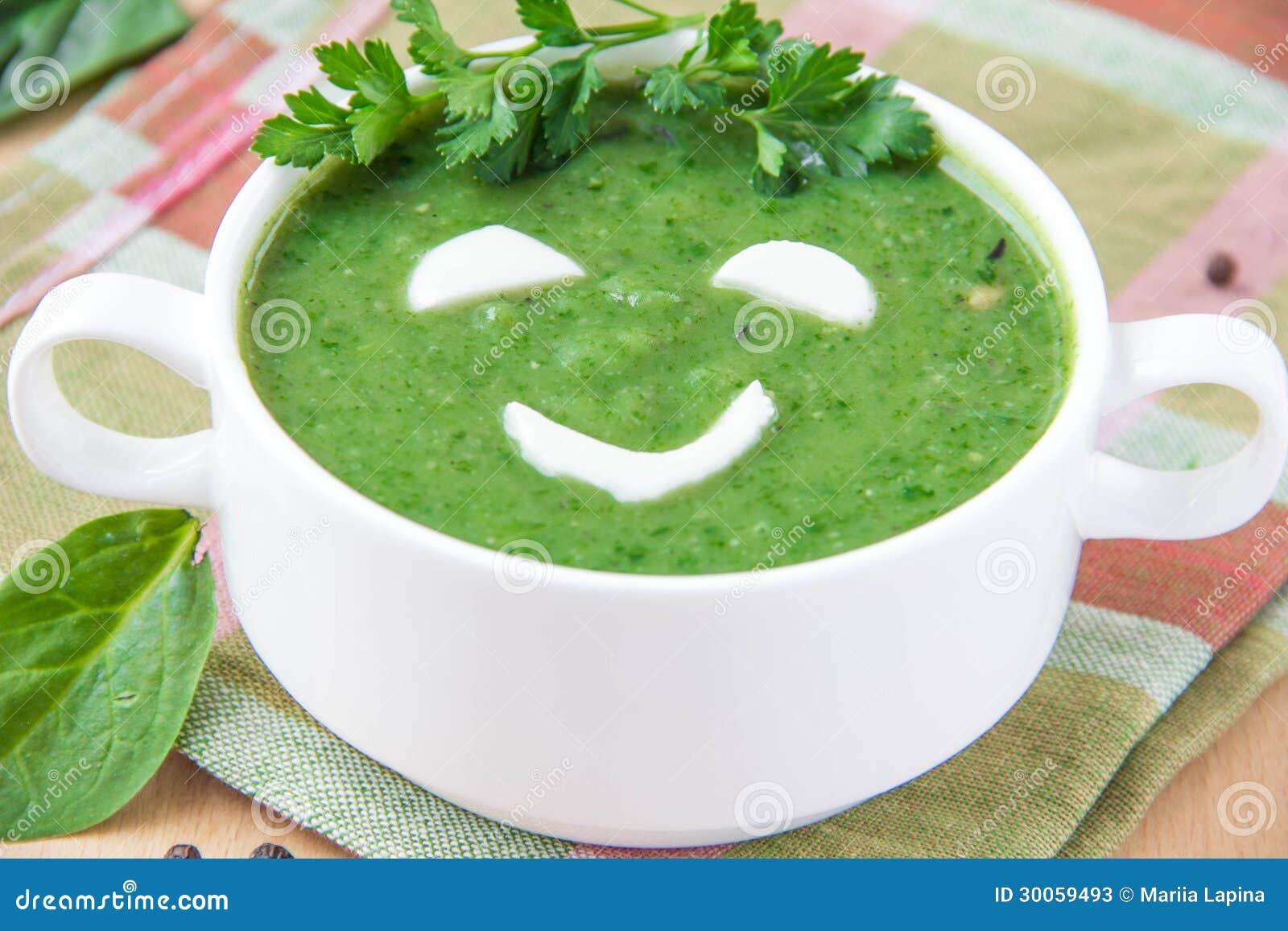 soupe saine dr le avec des pinards pour des enfants image stock image du cuvette homemade. Black Bedroom Furniture Sets. Home Design Ideas