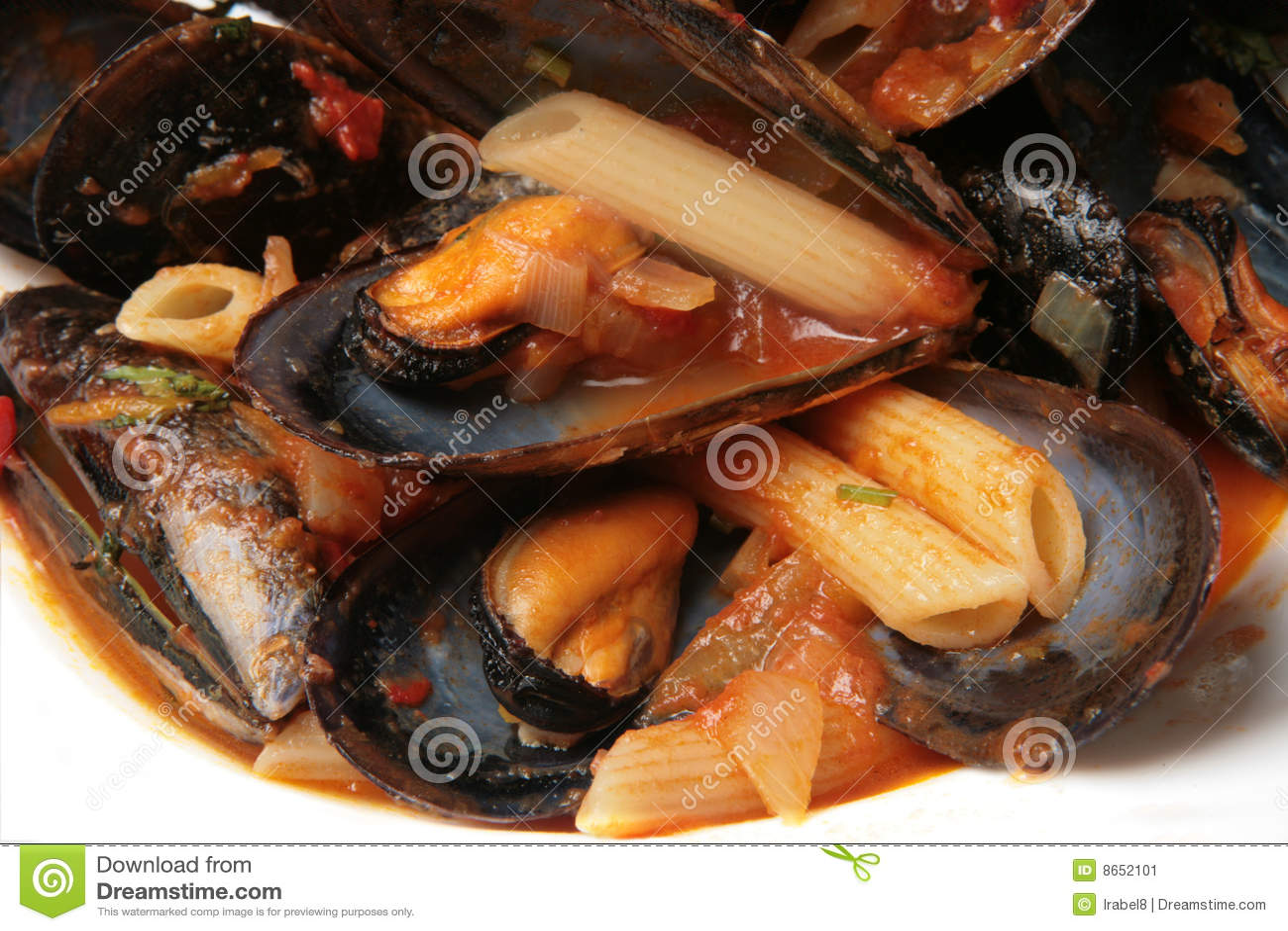 Potage de moule avec des pâtes