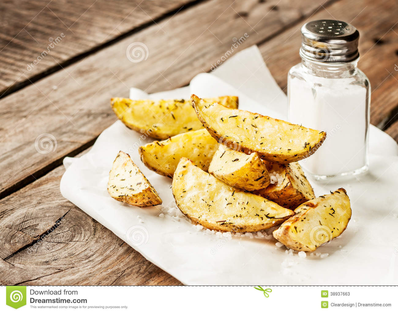 potato wedges on rustic wood table bar menu stock image image 38937663. Black Bedroom Furniture Sets. Home Design Ideas