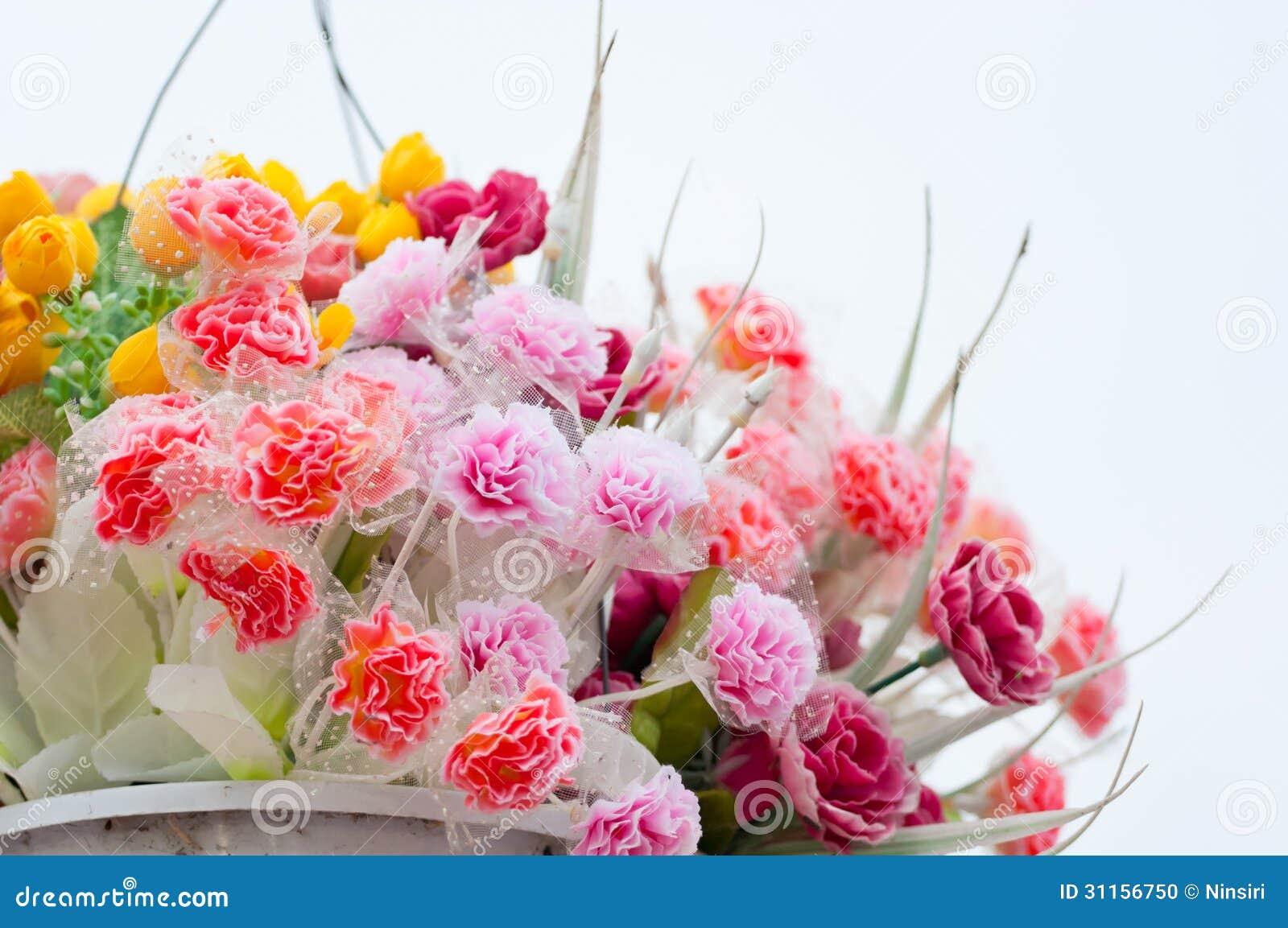 Potes de flores artificiales colgantes foto de archivo - Plantas artificiales en ikea ...