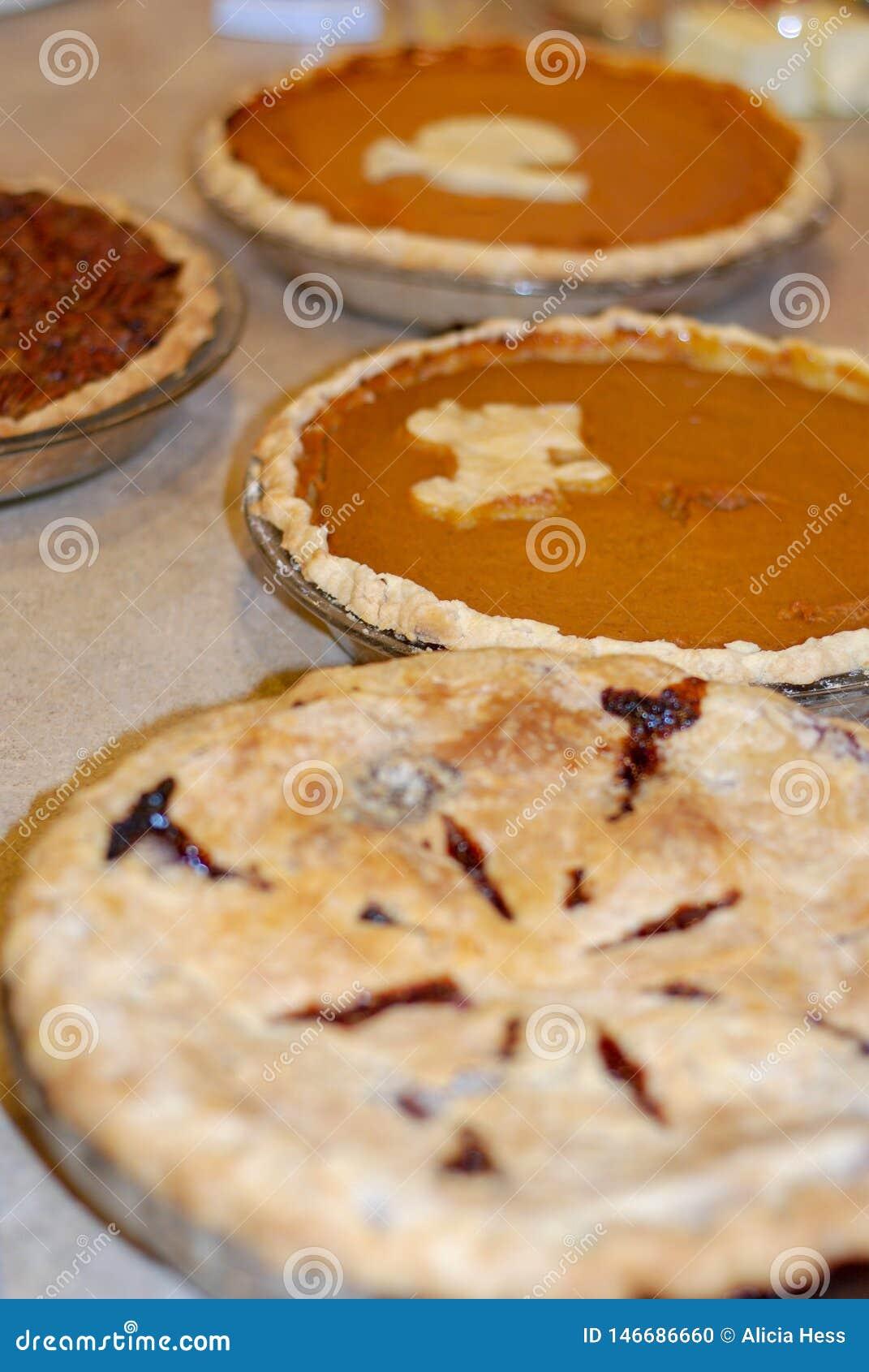 Potiron, noix de pécan, et tarte de baie au thanksgiving