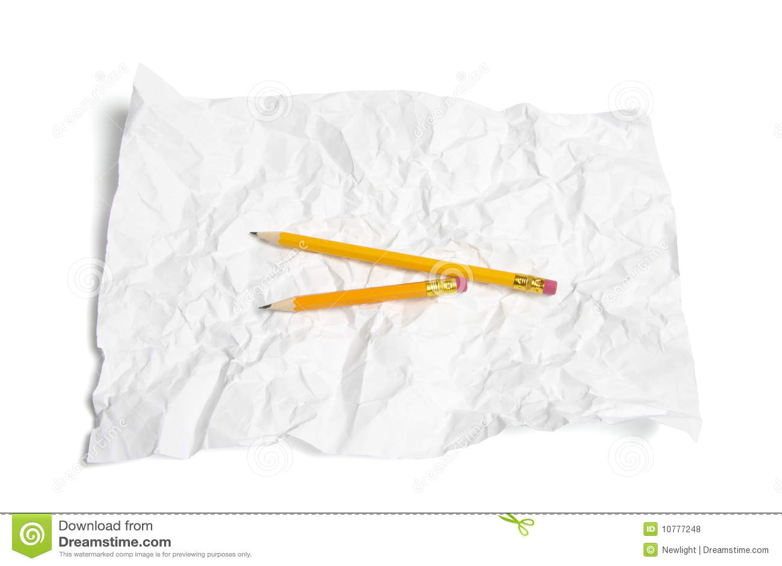 Potloden op Verfrommeld Document