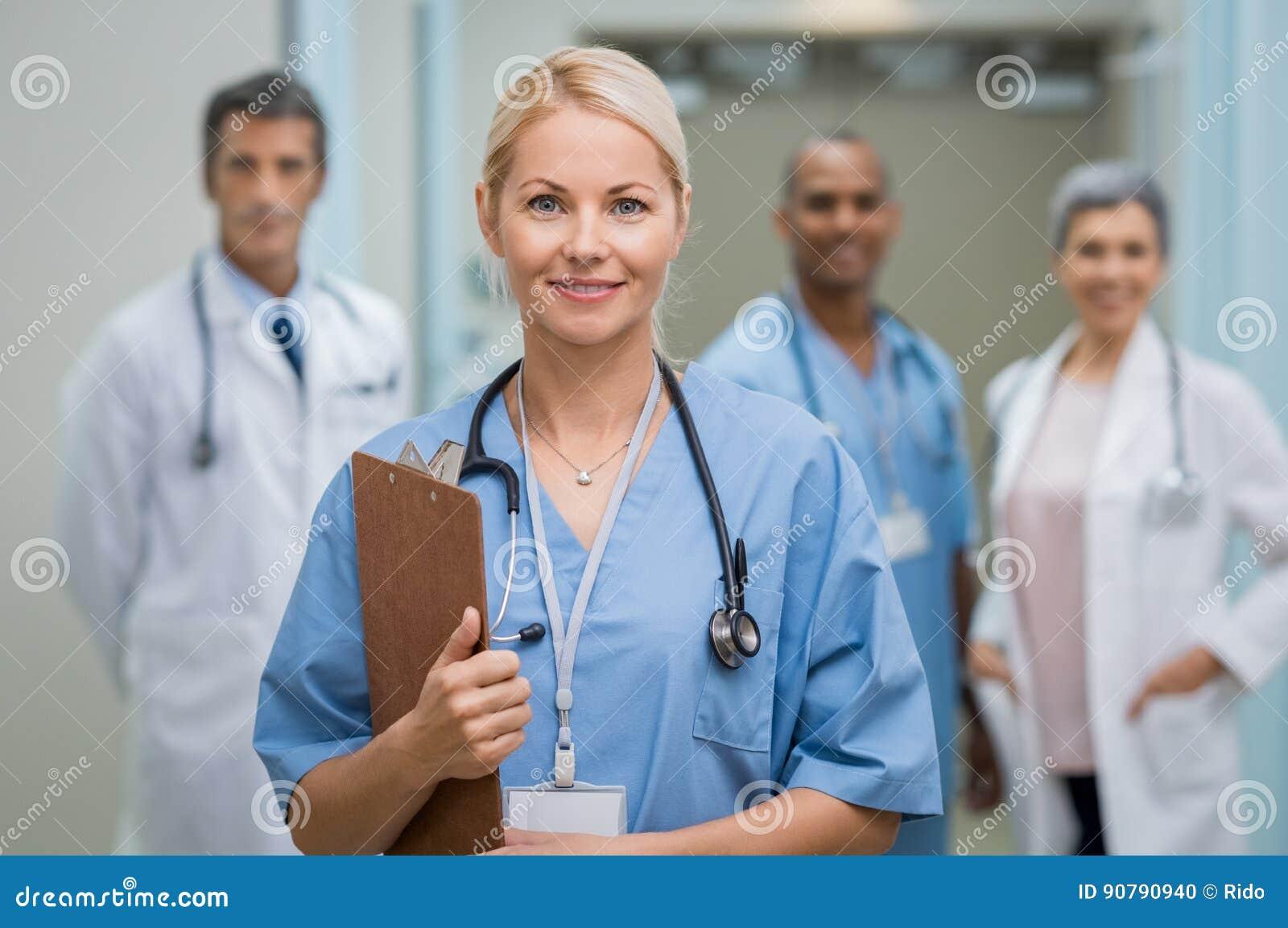 Potomstwa pielęgnują i praca zespołowa
