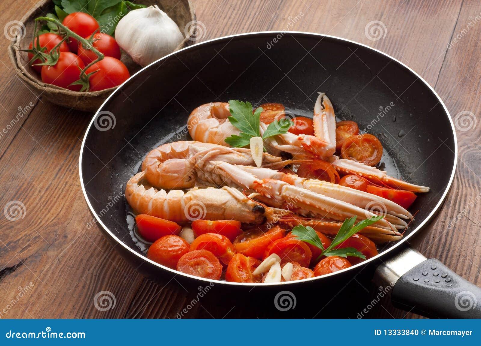 Potrawki scampi pomidory