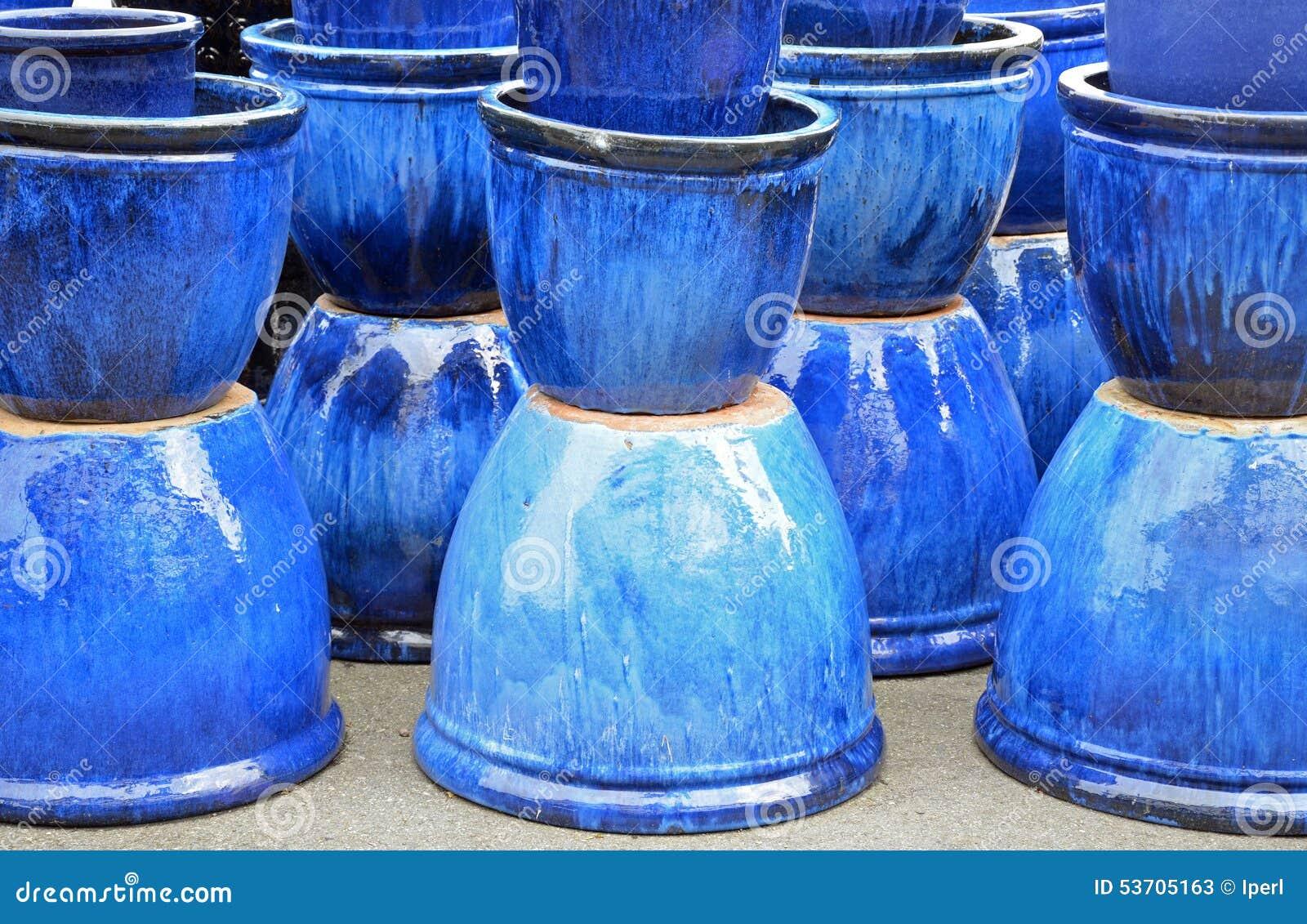 Pots En Ceramique Vitres Par Bleu Image Stock Image Du Vase