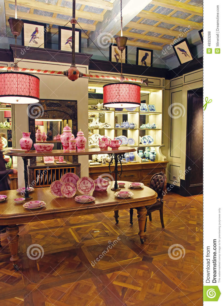 Porcelain pottery shop royalty free stock photography for Dream store firenze