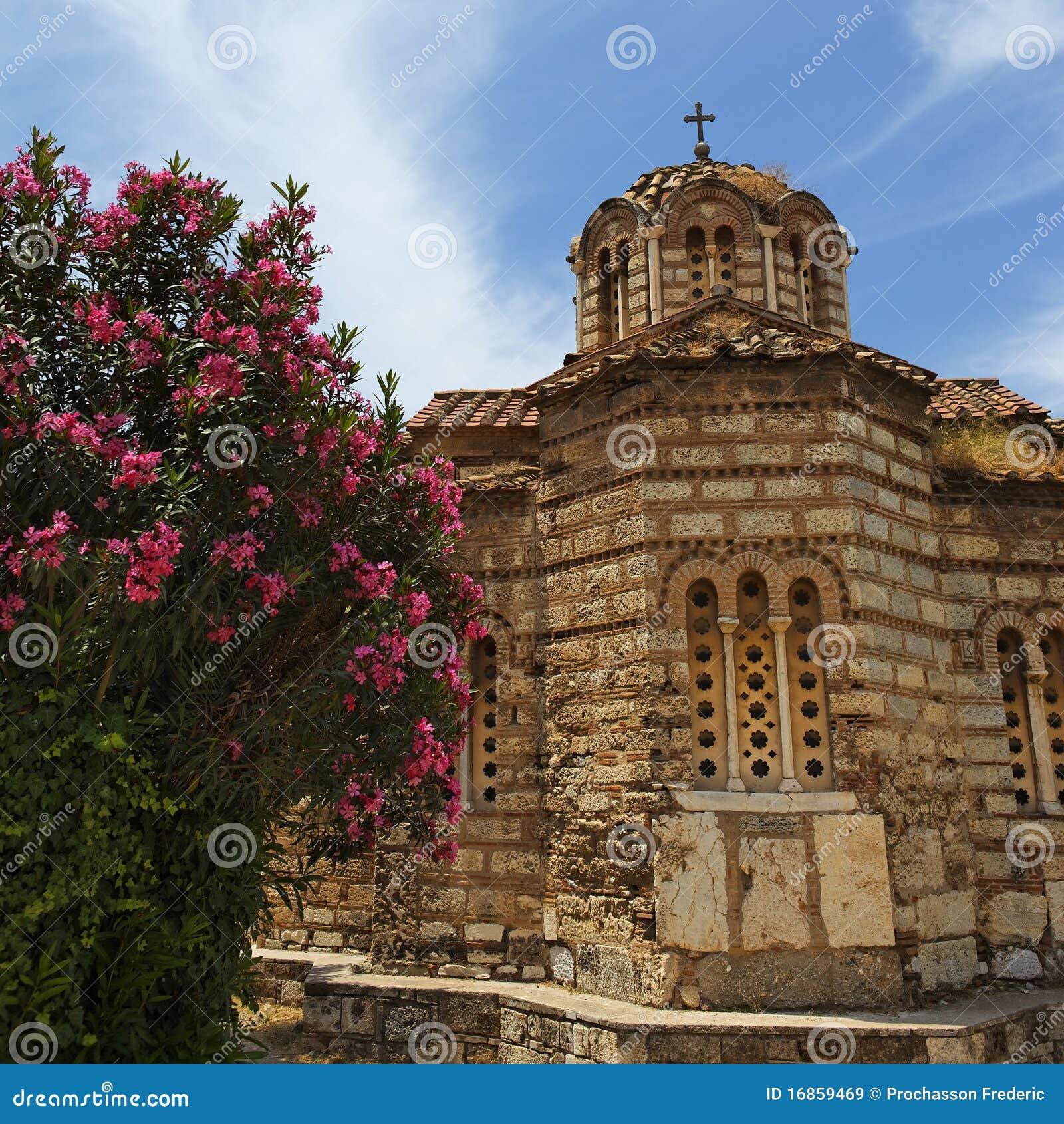 Pouca capela em Atenas