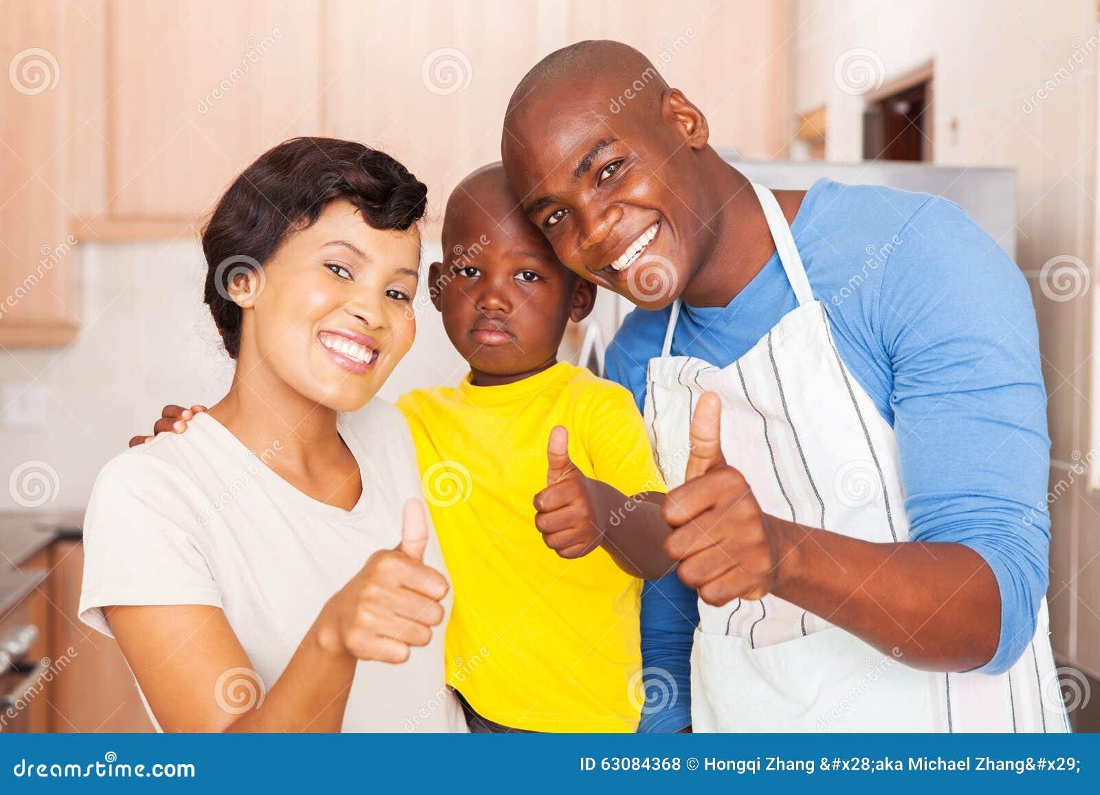 Download Pouces De Famille Vers Le Haut Photo stock - Image du appartement, occasionnel: 63084368