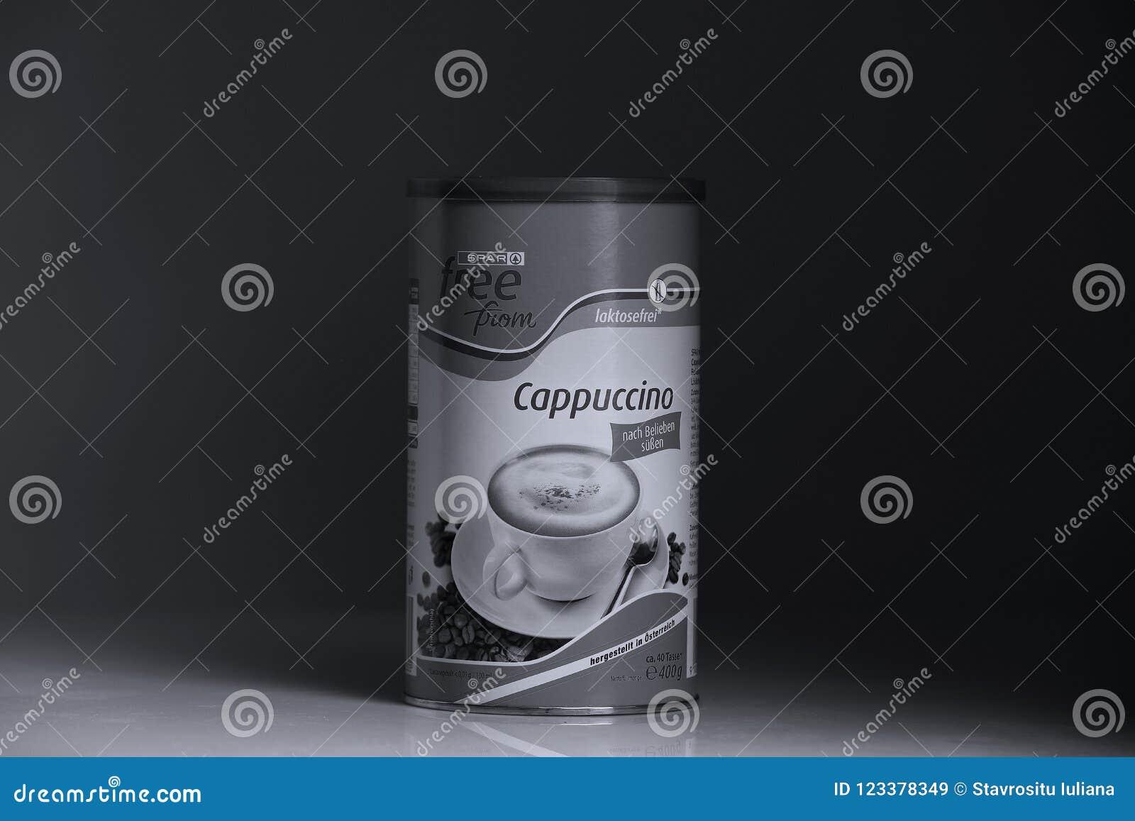 Poudre de cappuccino de détaillant de longeron, fond noir