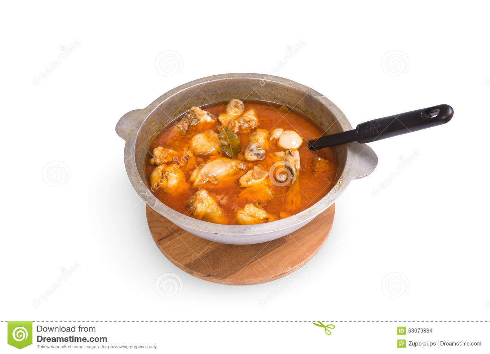 Download Poulet cuit photo stock. Image du casserole, rouge, milieux - 63079884