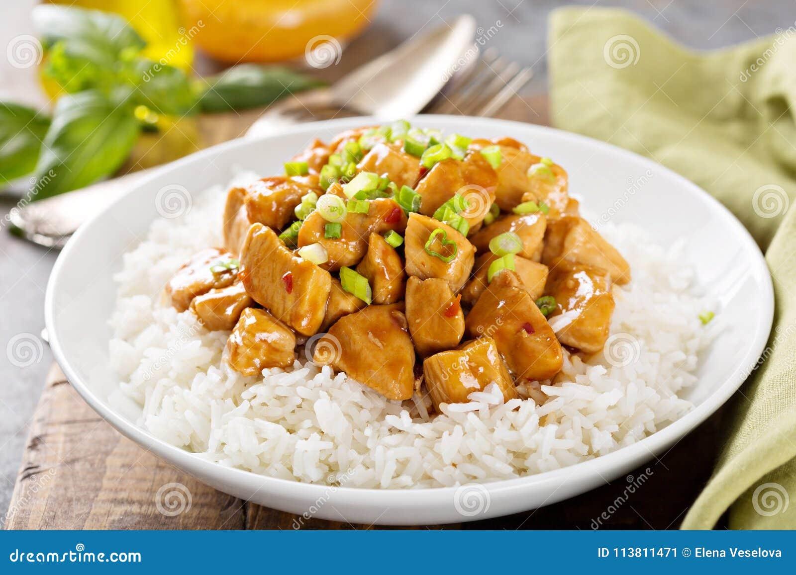 Poulet doux et aigre avec du riz