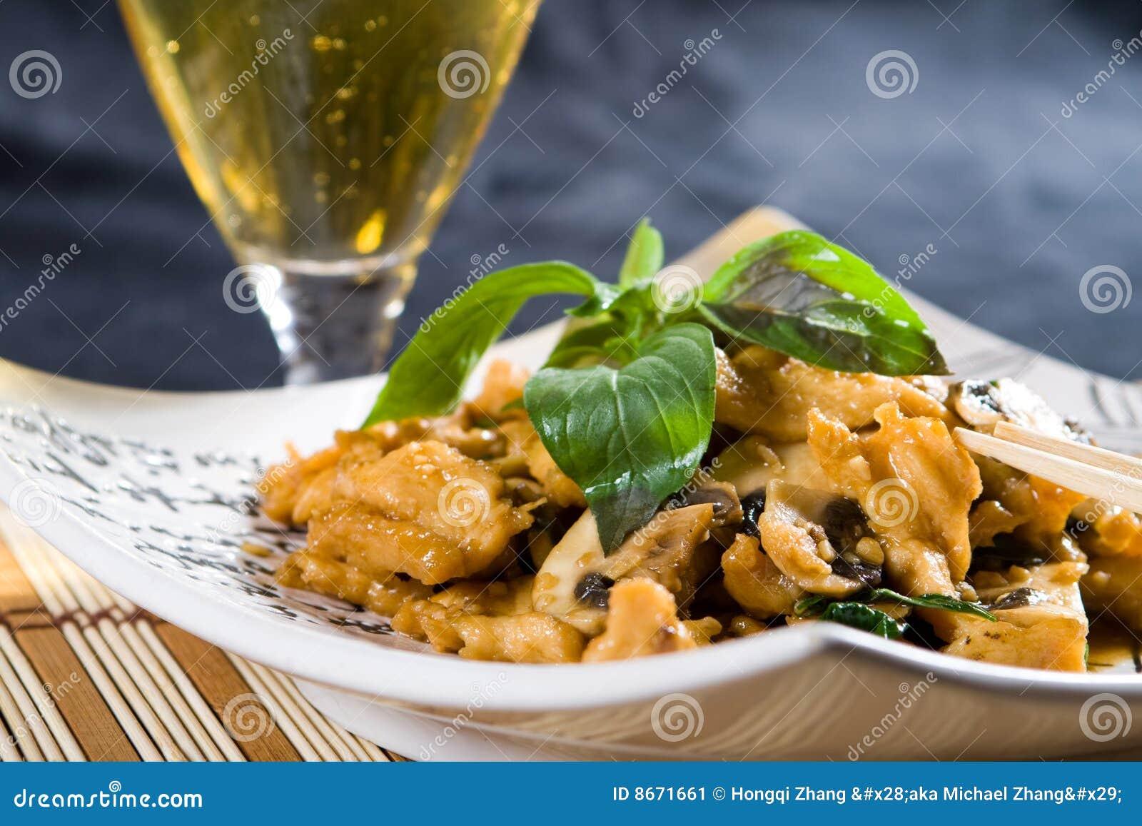 Poulet et champignon de couche