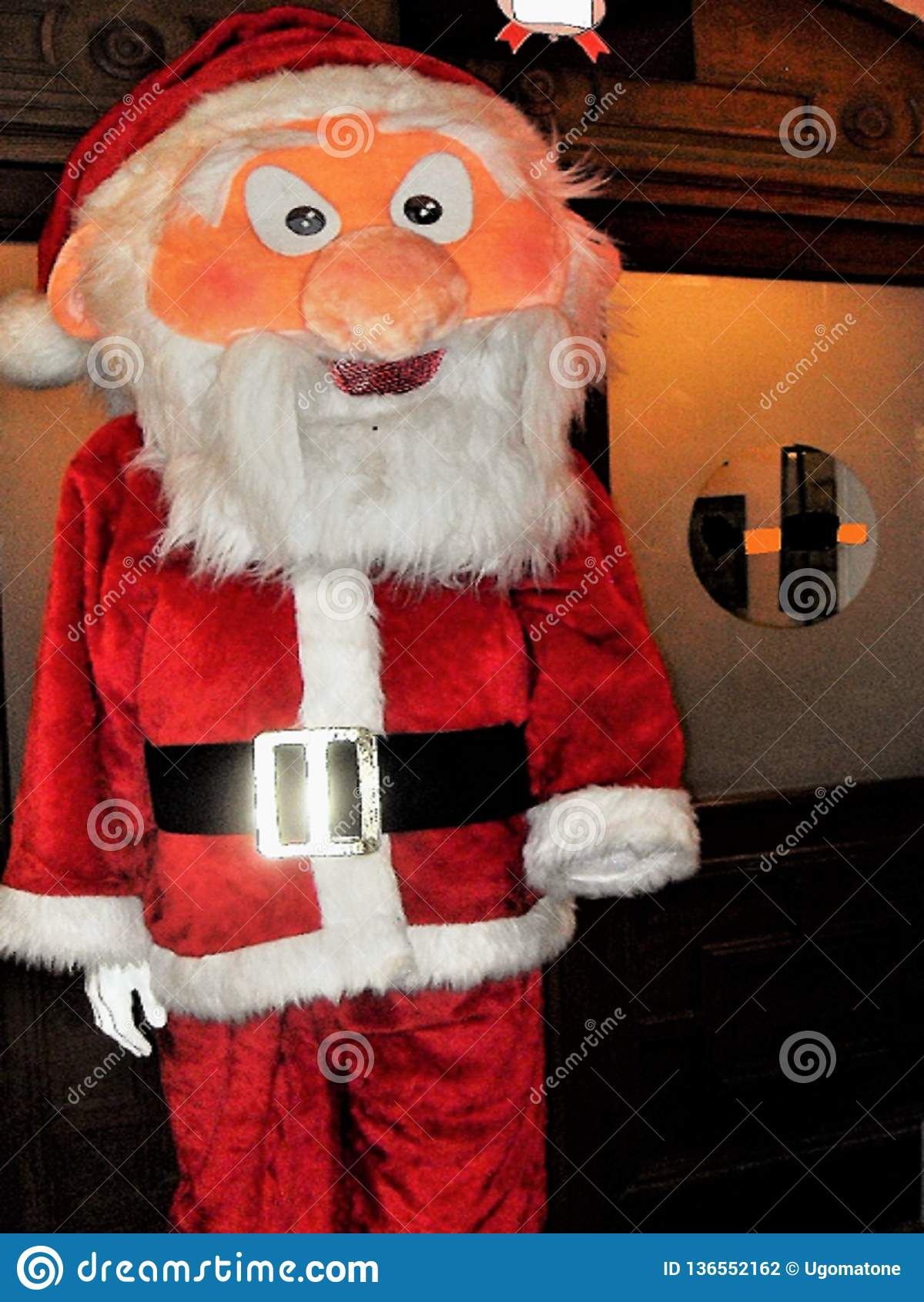 Poupée de Santa Claus dans la pleine taille