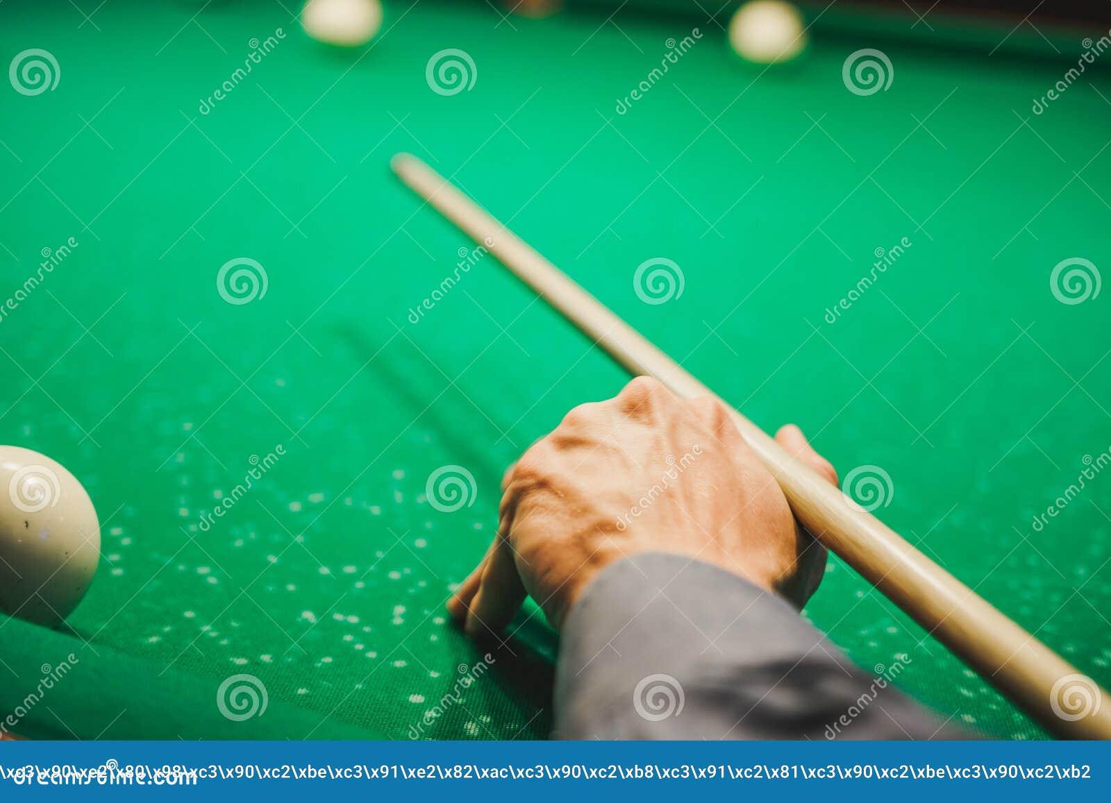 Pour jouer des billards lhomme joue des billards jeu de bureau