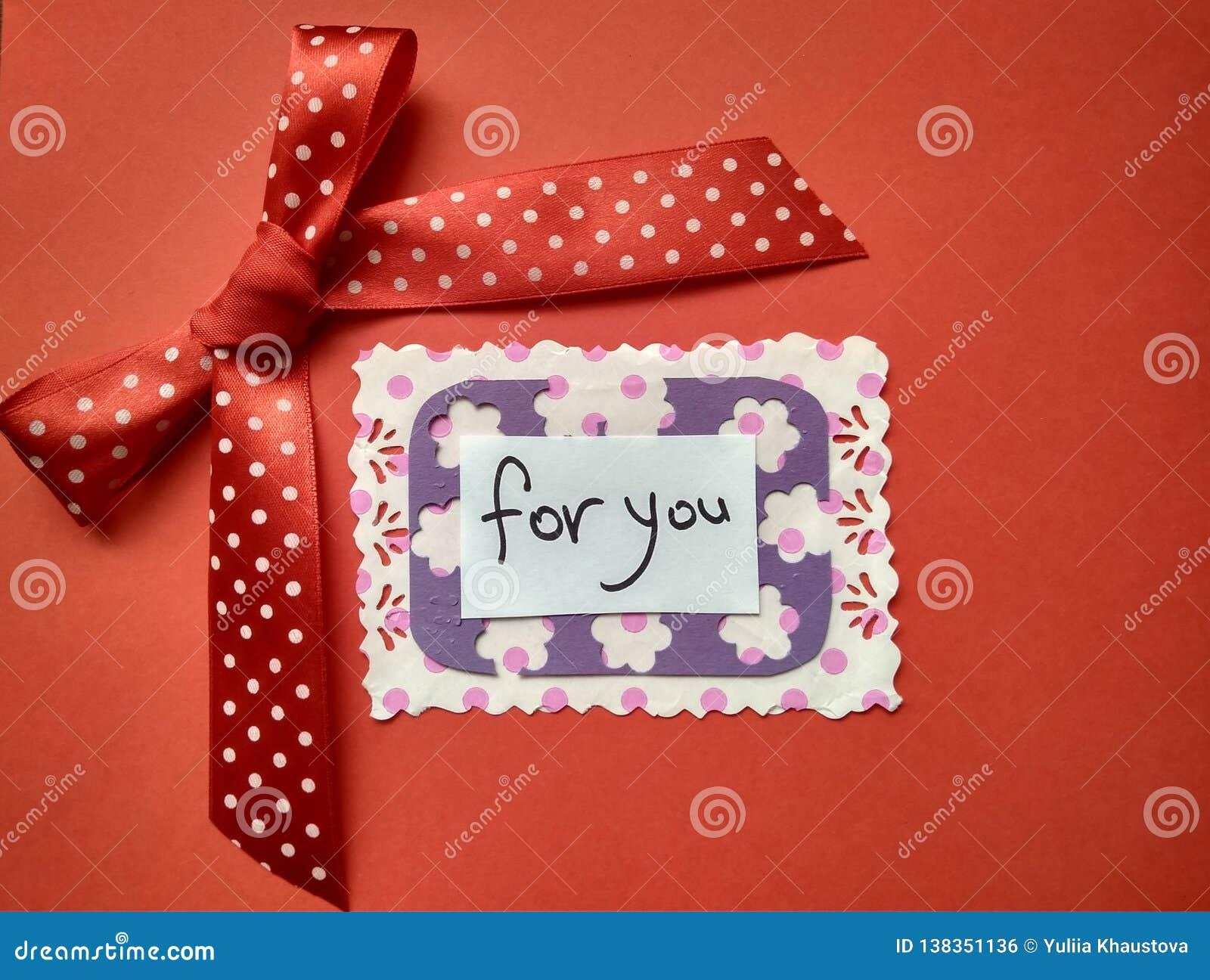 Pour la Saint-Valentin et les coeurs heureux d inscription de Saint-Valentin