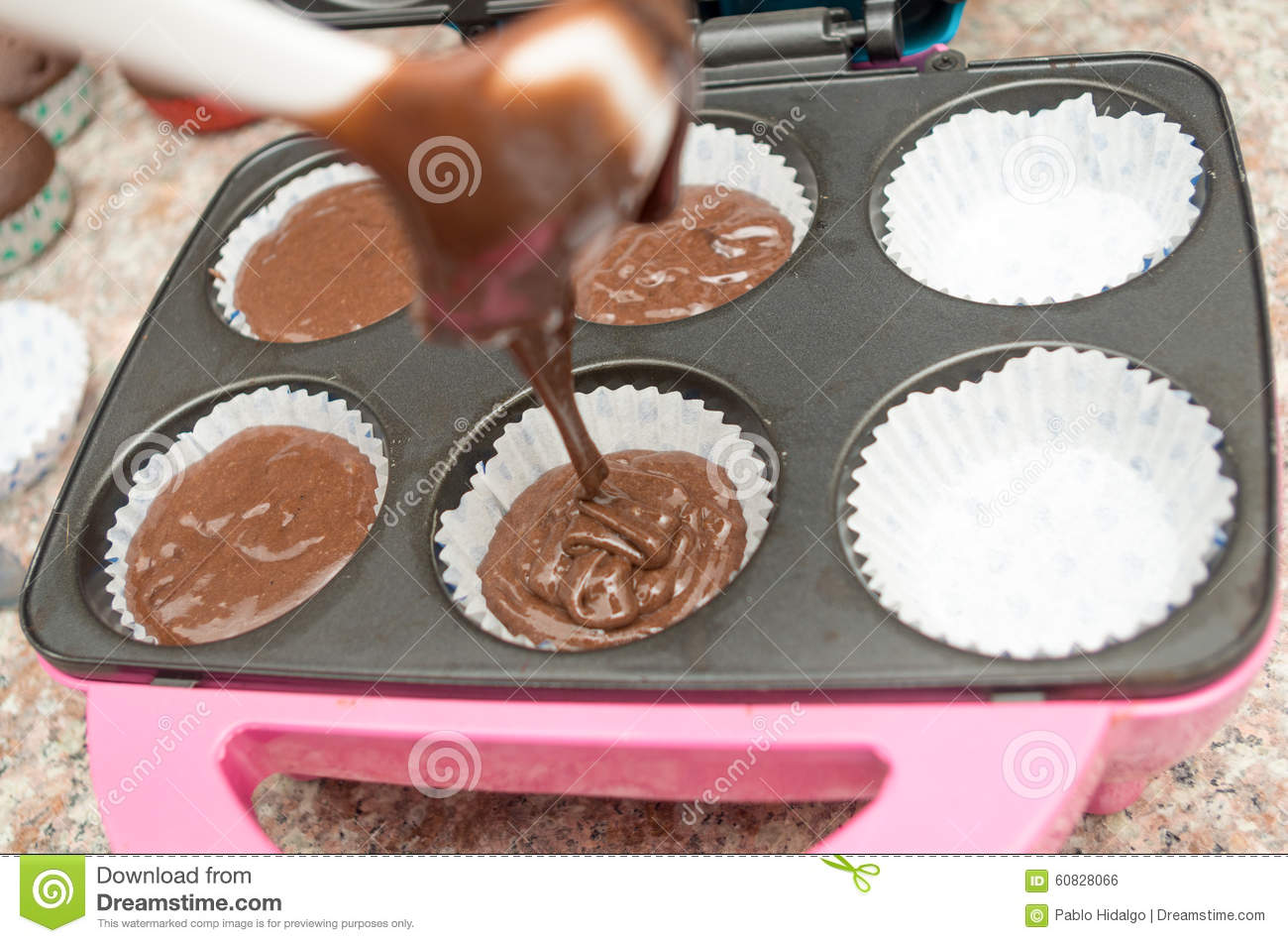Can You Bake A Cake In A Metal Mixing Bowl