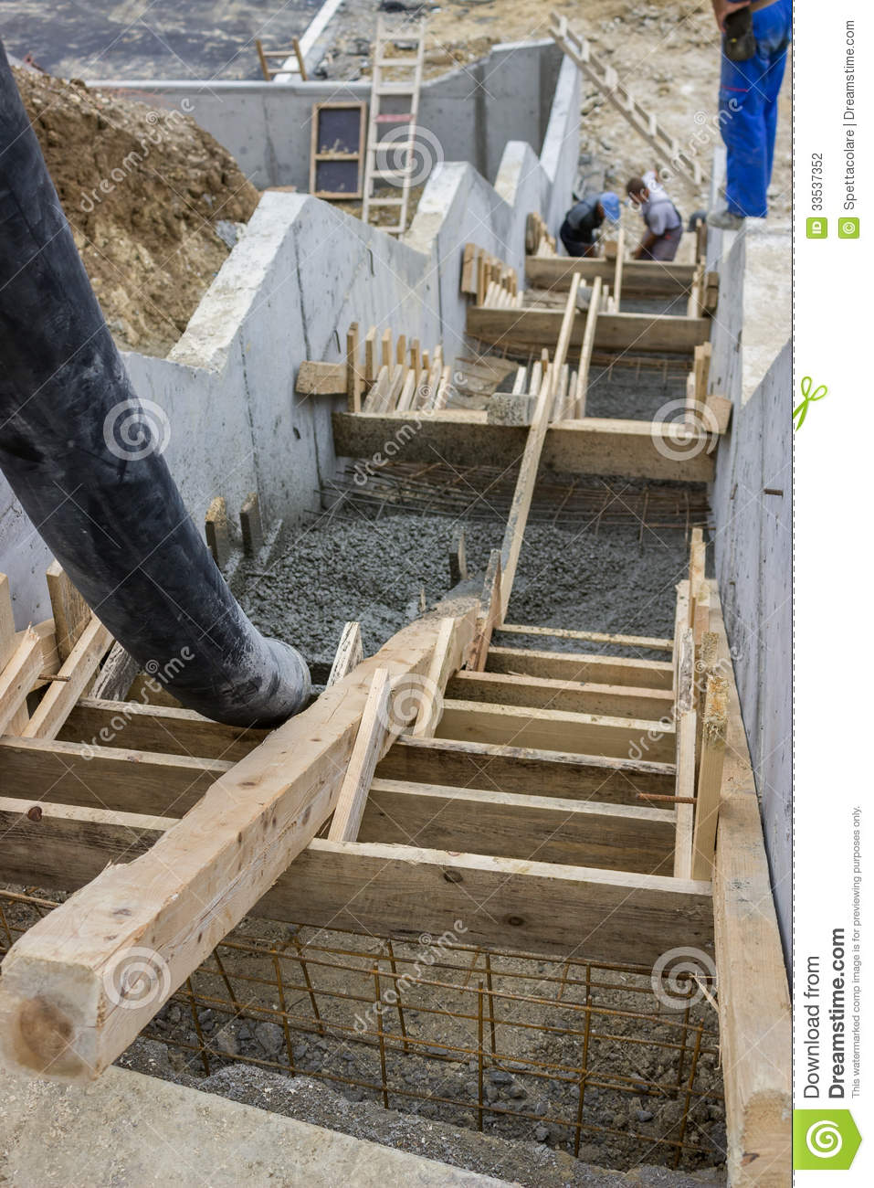 Pouring Concrete Steps 4 Stock Photography Image 33537352