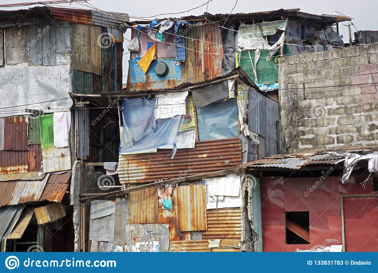 Povertà nelle vie di Manila nelle Filippine
