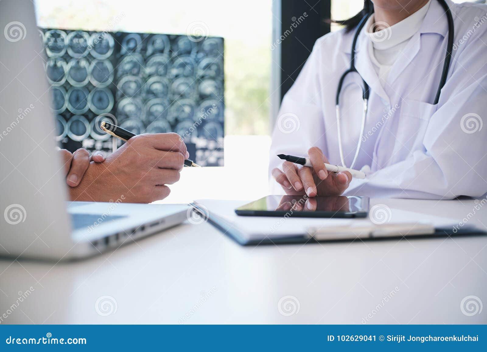 Povos da profissão da educação e fim do conceito da medicina acima do hap