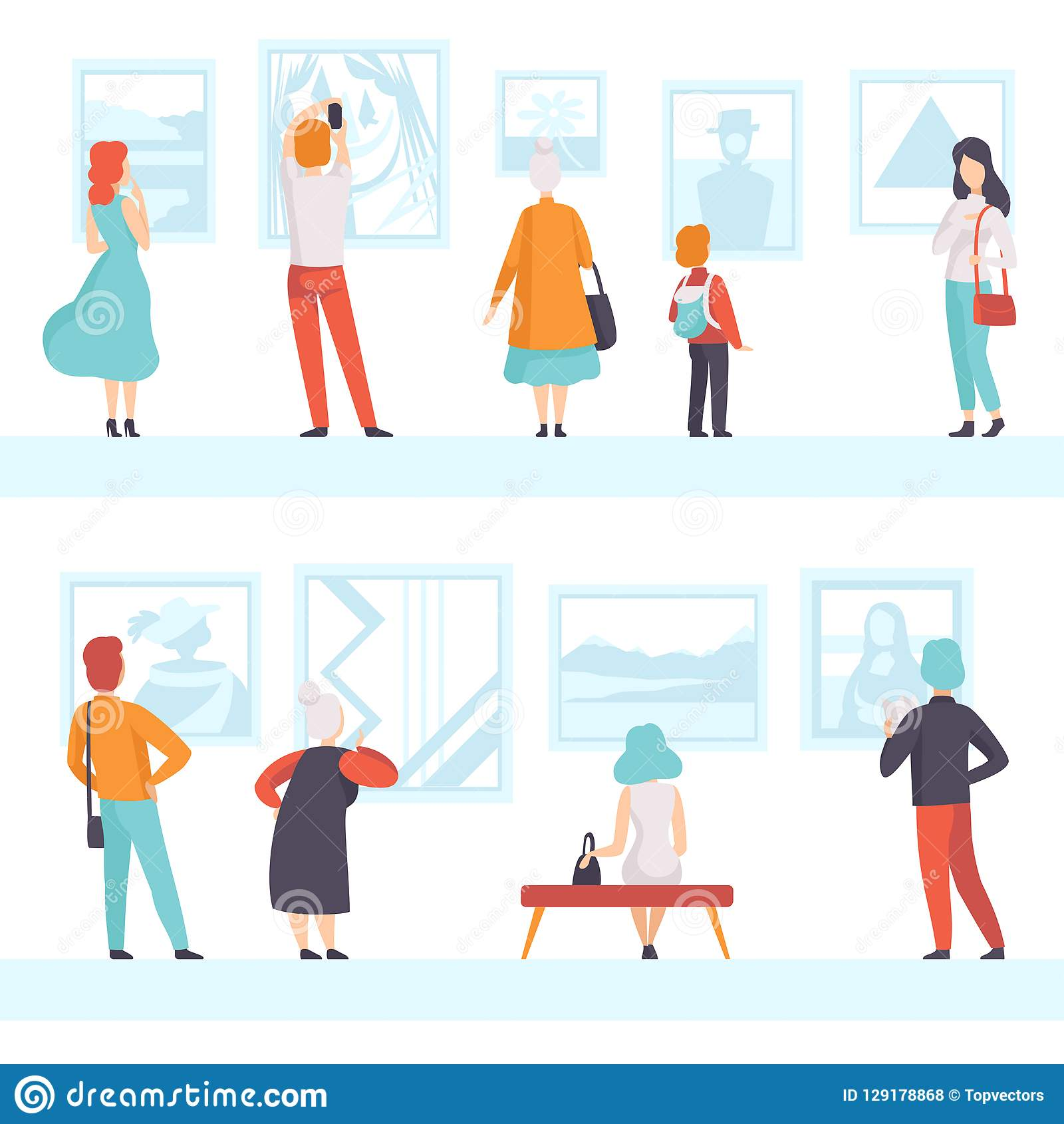Povos das idades diferentes que olham as imagens que penduram na parede, visitantes da exposição que veem exibições do museu na a