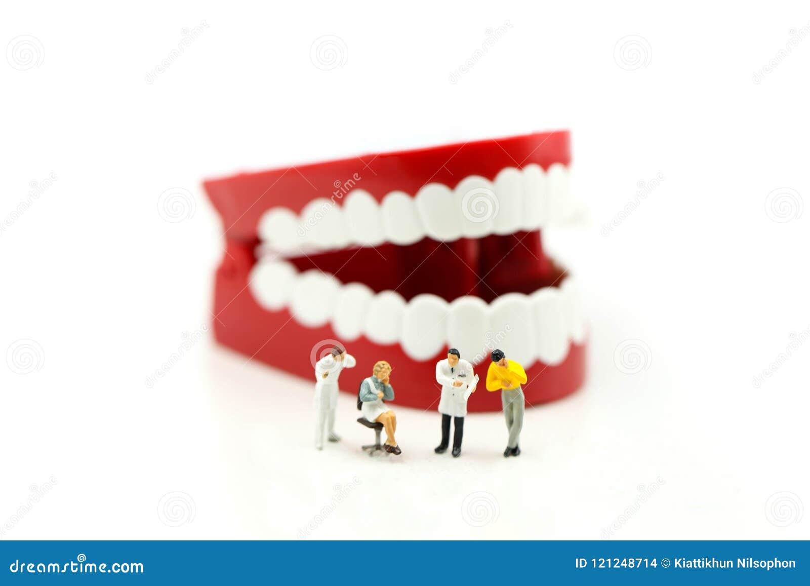 Povos diminutos: Dentista dentes de exame do ` um s do paciente, healthcar